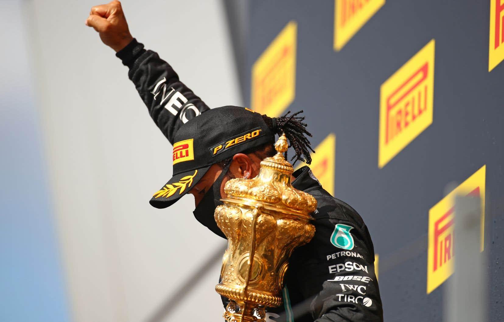 Lewis Hamilton n'a maintenant besoin que de quatre victoires supplémentaires pour égaler le record de Michael Schumacher, meneur historique en F1 avec ses 91 triomphes.