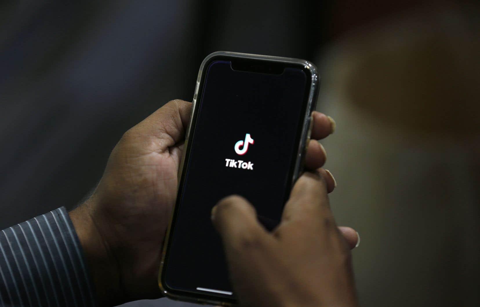 Washington accuse depuis des mois l'interface de pouvoir être utilisée par le renseignement chinois à des fins de surveillance. Ce que TikTok a toujours fermement nié.