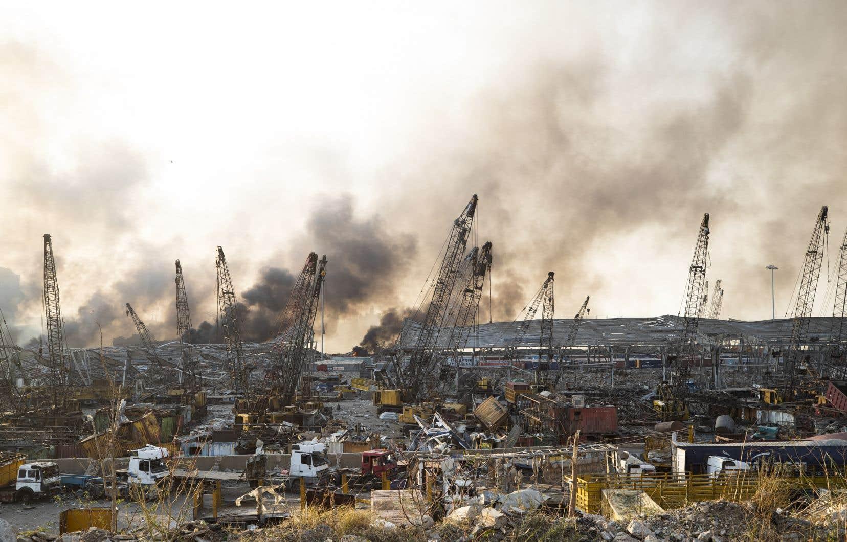 Des dégâts visibles après l'immense explosion dans le secteur du port de Beyrouth