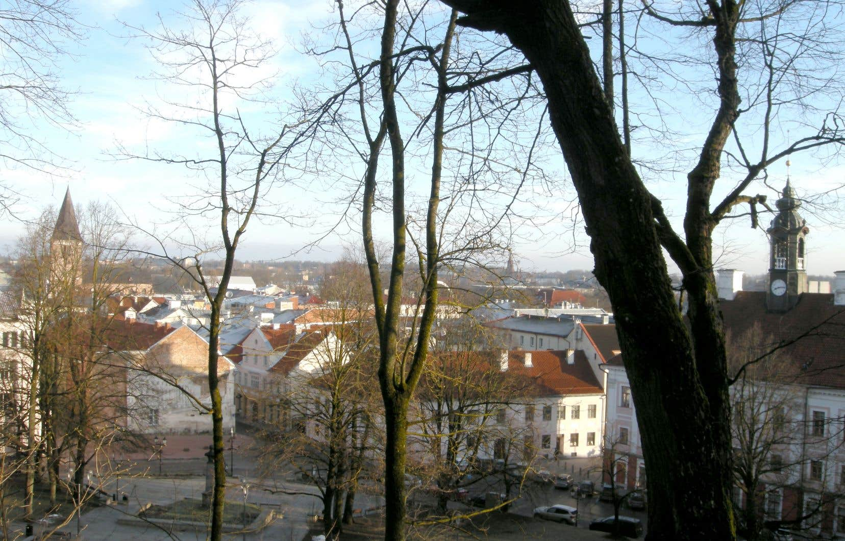 Tartu, deuxième ville d'Estonie, après la capitale, Tallinn, où des quartiers complets de maisons sont construites en bois.