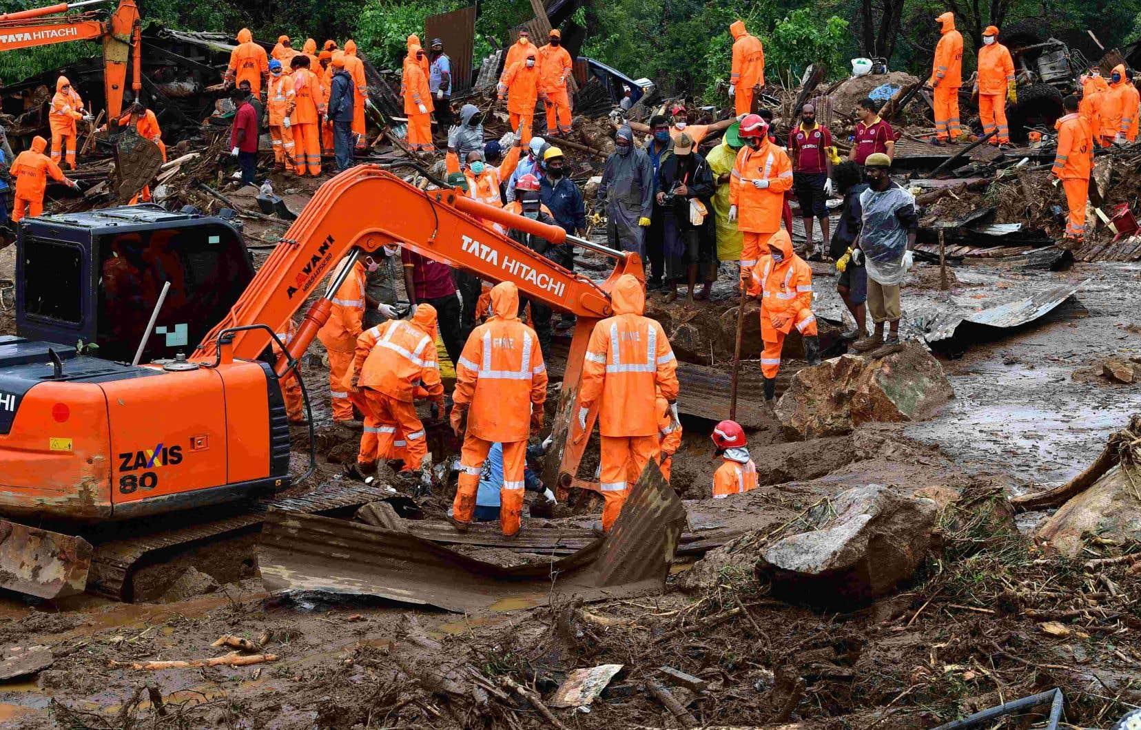Près de 80 personnes étaient installées sur la zone touchée, dont beaucoup restent portées disparues.