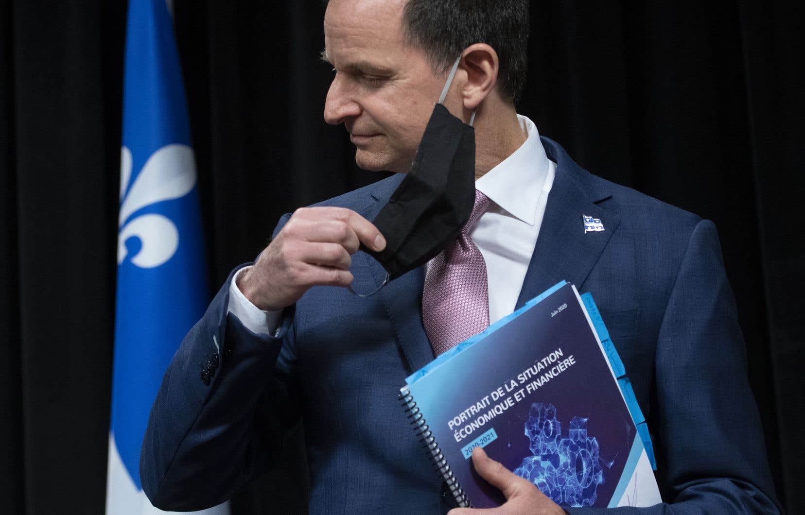 Dans sa présentation de juin, le ministre des Finances, Eric Girard, projetait un déficit historique de 14,9 milliards pour l'exercice 2020-2021.