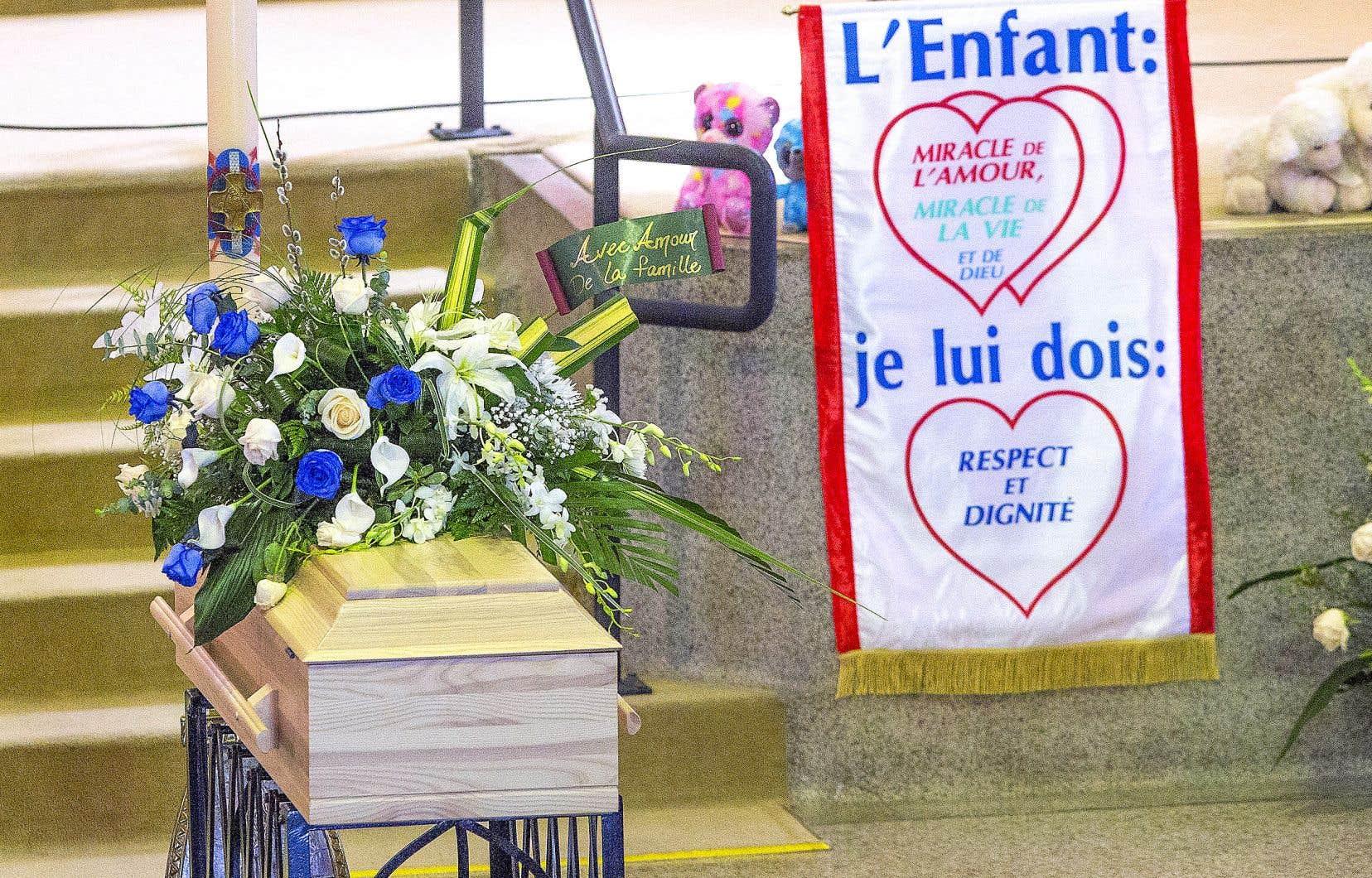 La mort de la fillette au lendemain de sa découverte dans des circonstances extrêmement troublantes à son domicile familial avait bouleversé le Québec au printemps 2019.