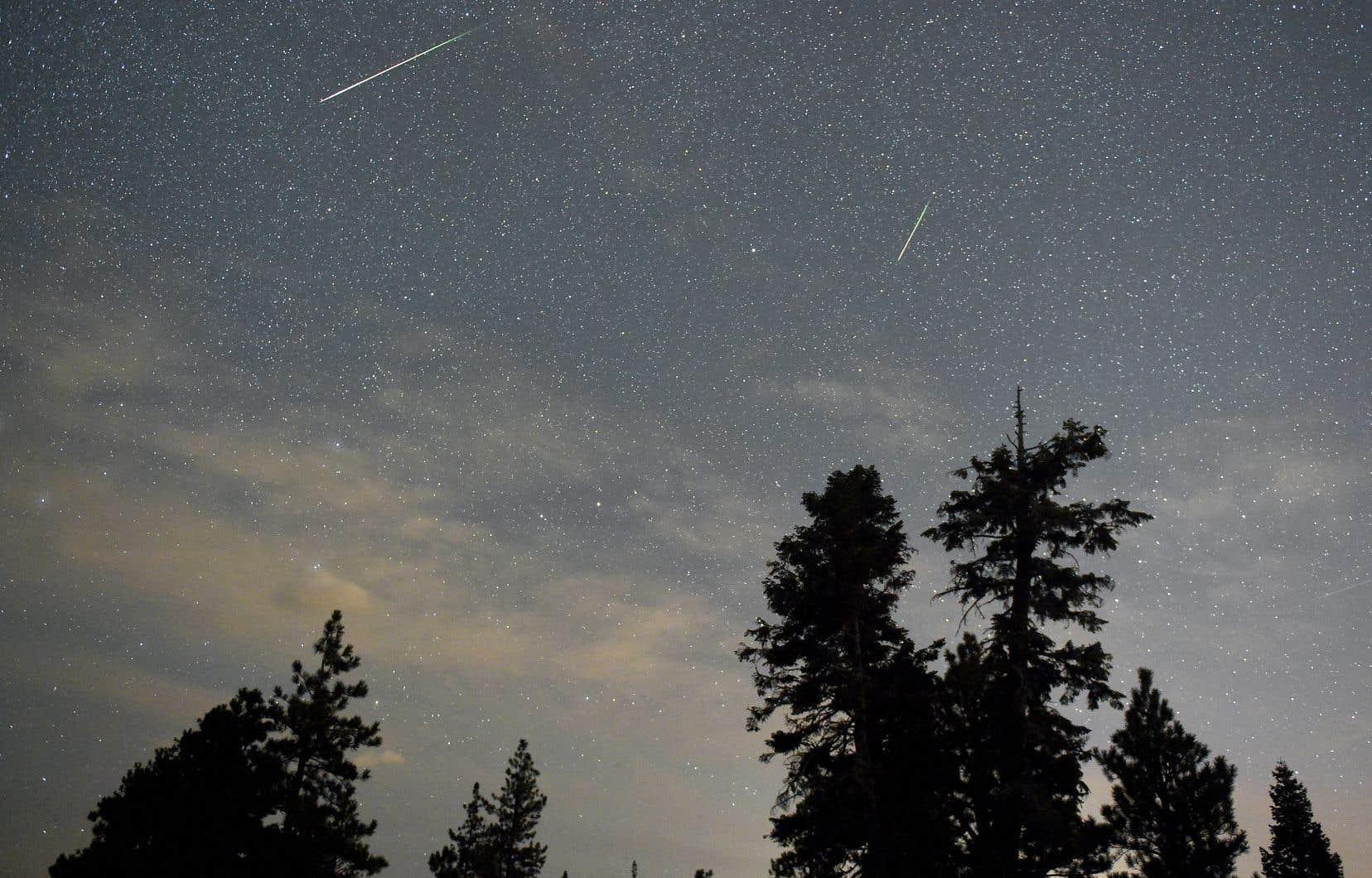 Il existe plusieurs dizaines de pluies d'étoiles filantes, mais celle des Perséides, observée à la mi-août, est l'une des trois plus fortes.
