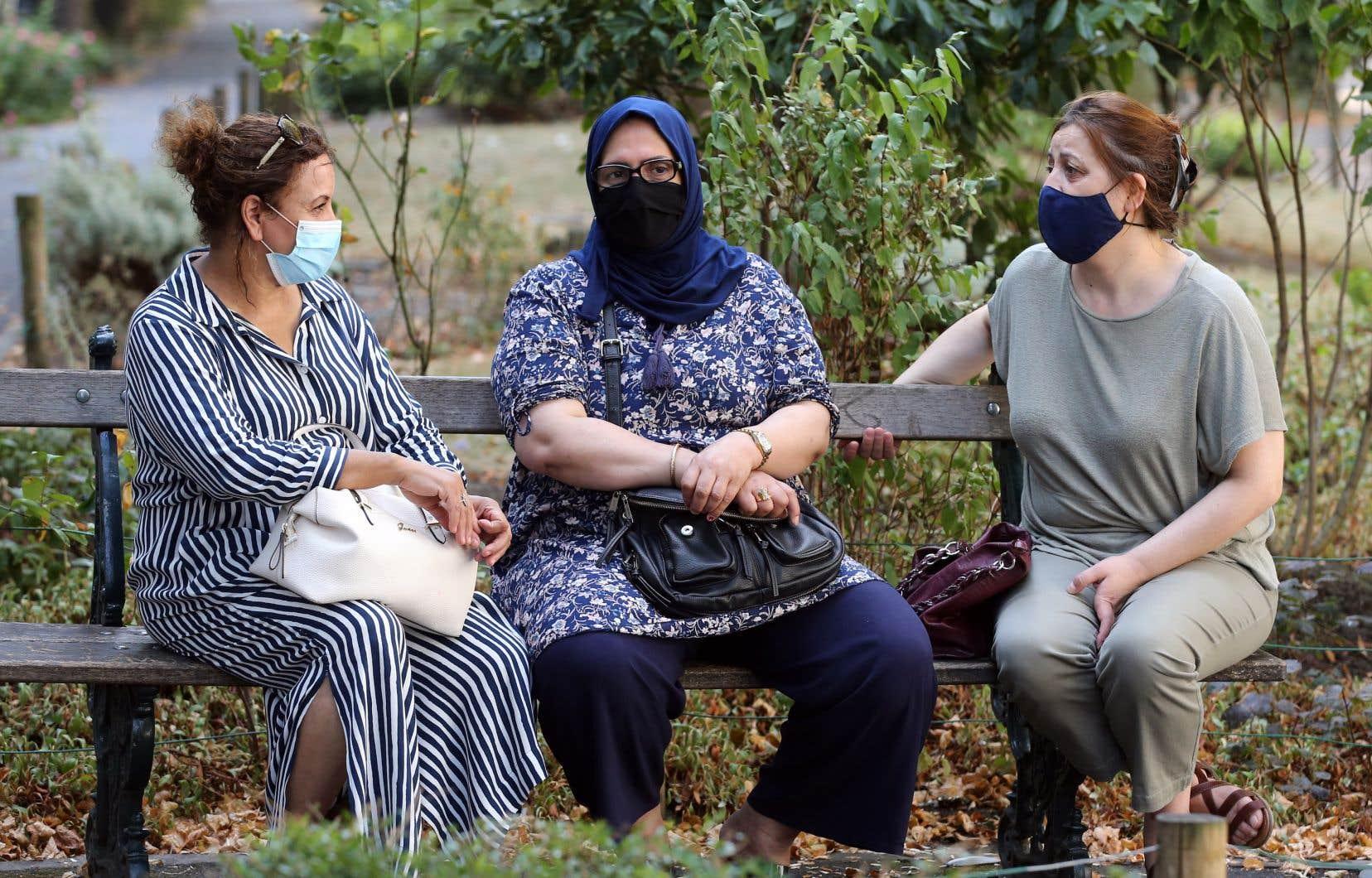 Le port d'une protection couvrant le nez et la bouche pour toute personne âgée d'au moins 12 ans était déjà obligatoire en Belgique dans la plupart des lieux publics clos depuis le 11juillet dernier.