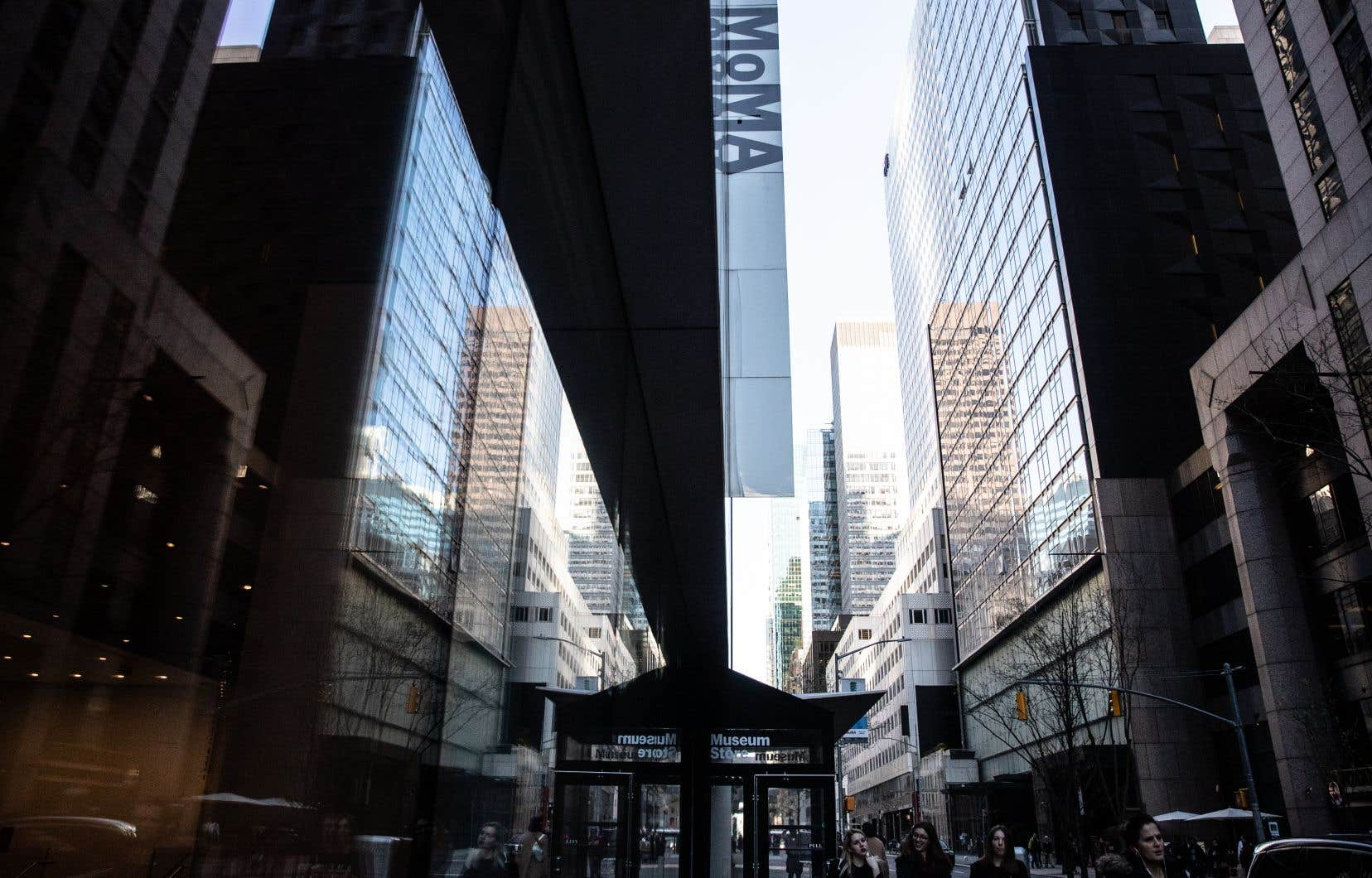 Le célèbre Museum of Modern Art de New York a annoncé lundi qu'il rouvrirait ses portes le 27 août, preuve que la capitale économique et culturelle américaine reprend quelques couleurs après cinq mois de paralysie due à la pandémie.