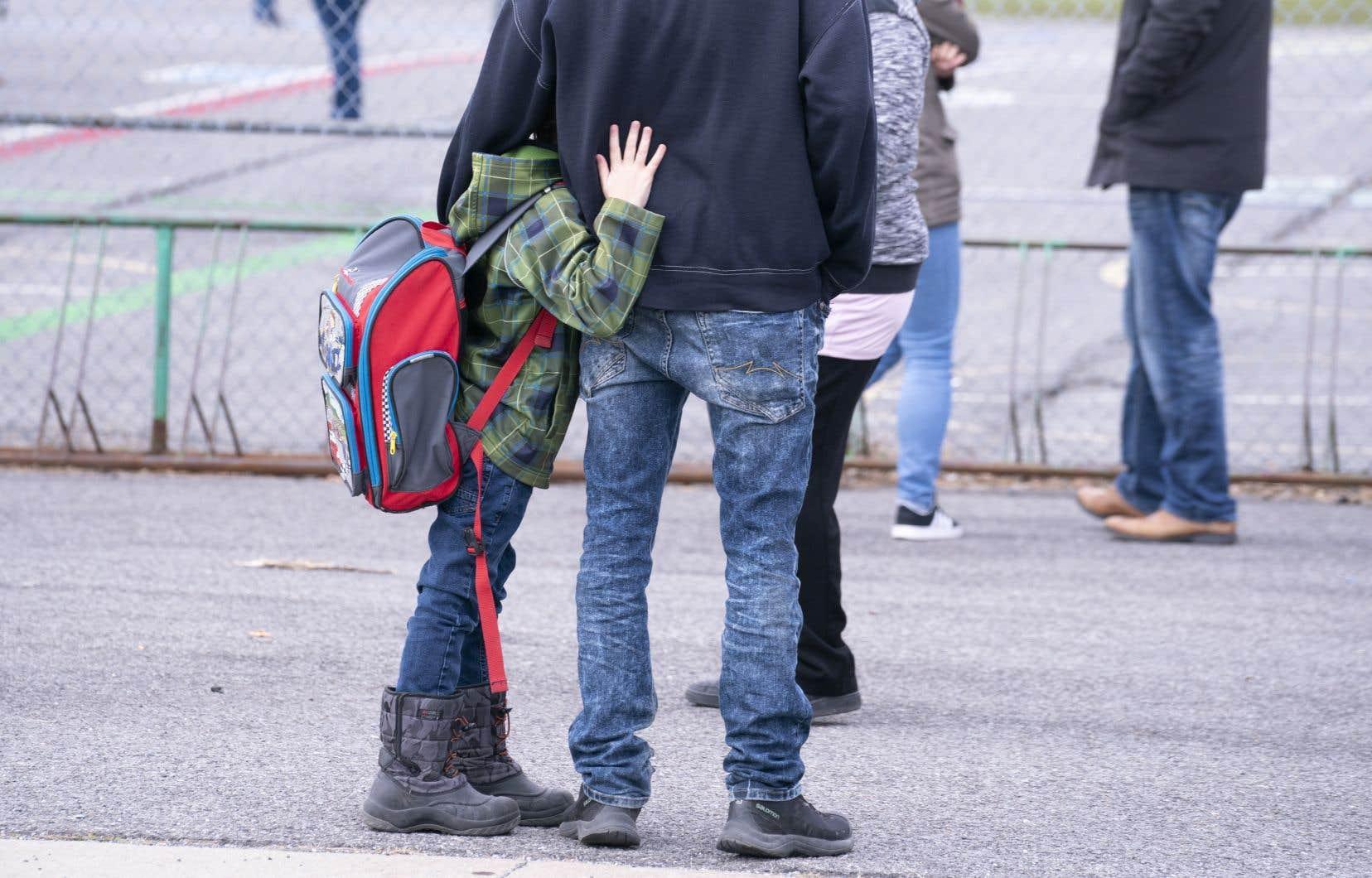 Plus de la moitié des enfants québécois (54%) disent avoir hâte de retourner à l'école, tandis que 30% sont nerveux et angoissés devant cette perspective.