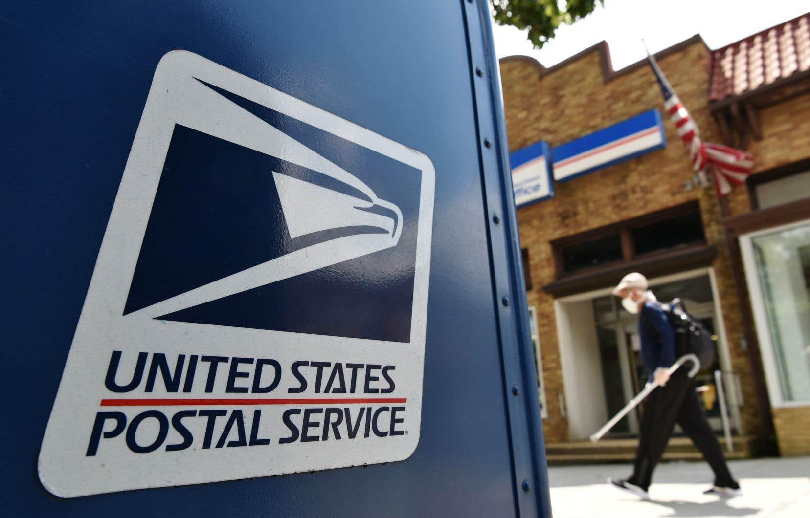 Les boîtes à lettres dans les rues, dont certaines avaient été supprimées, seront finalement maintenues.