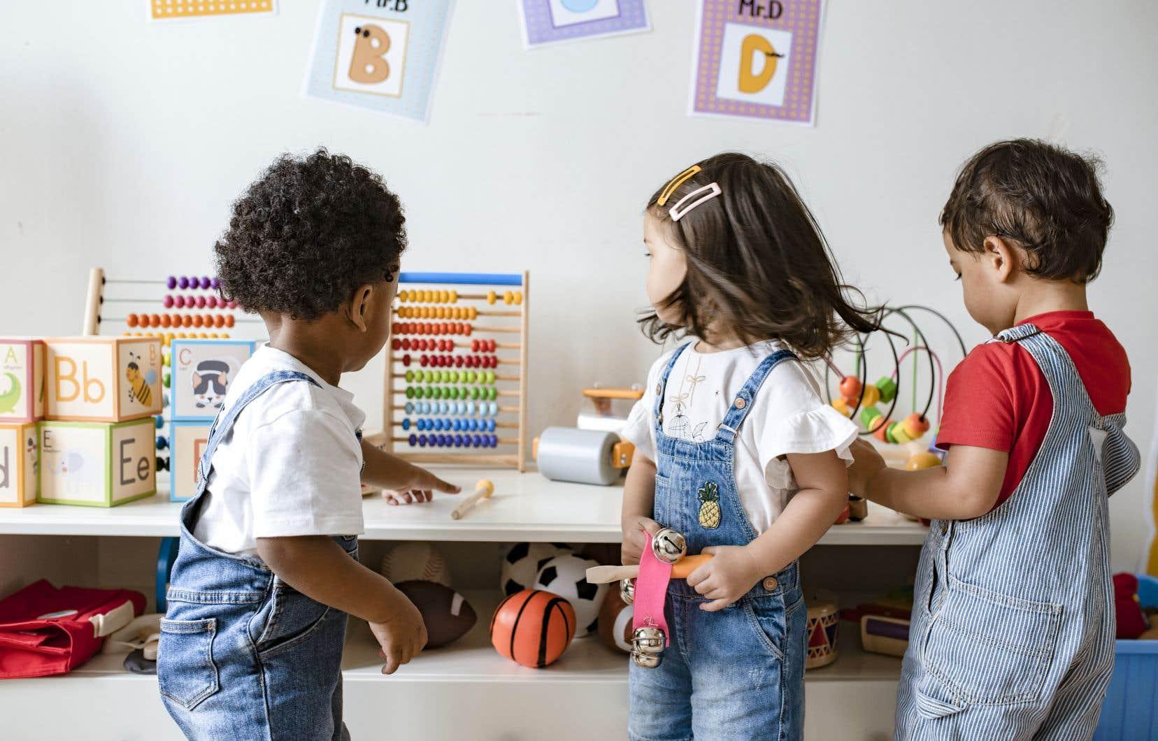 Le passage d'un enfant au CPE et à la maternelle contribue au développement de son savoir-être et de sa personnalité, ainsi que de son vocabulaire.