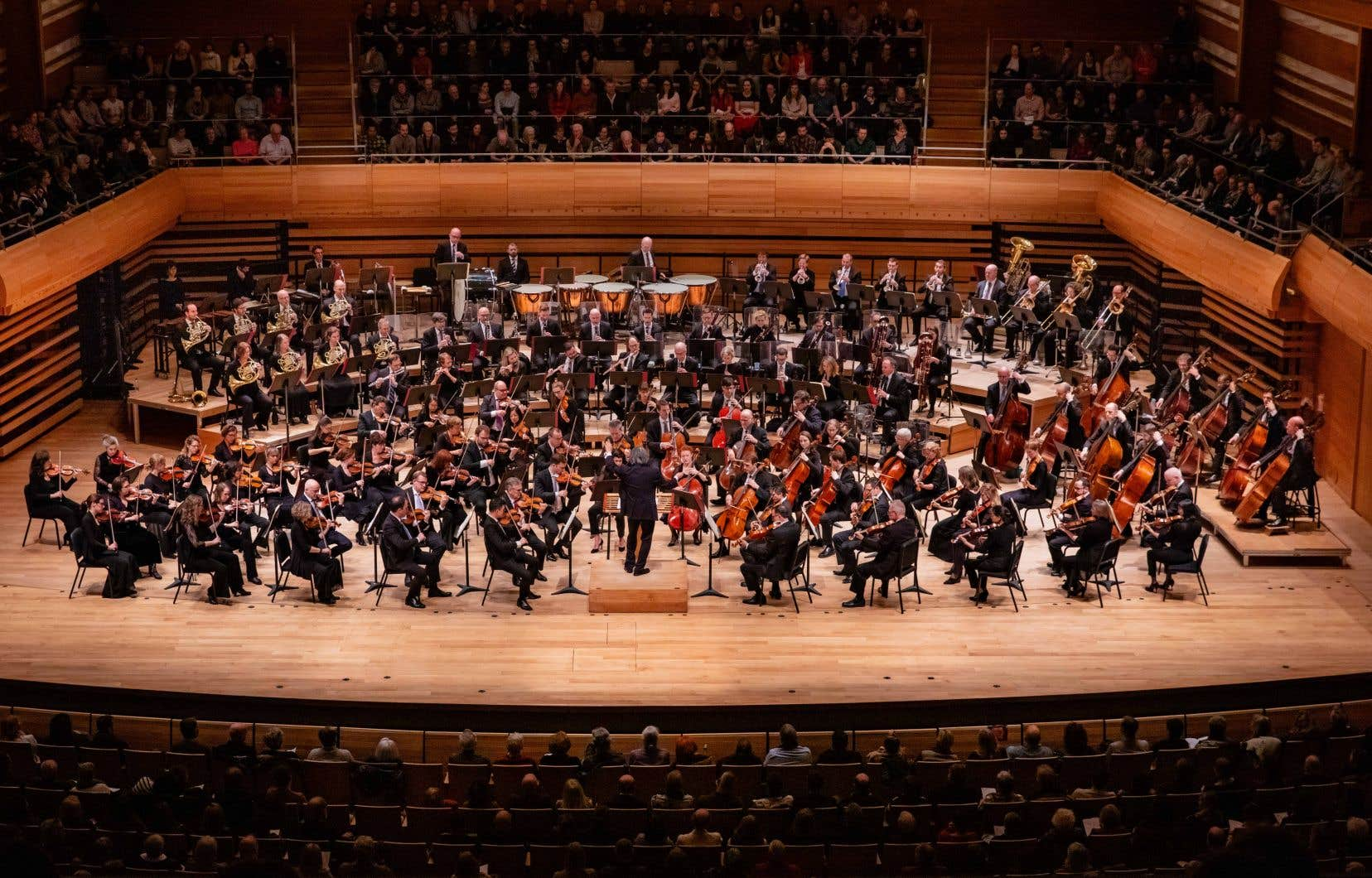 À cause des restrictions liées à la pandémie, l'OSM ne pourra pas avoir autant de musiciens sur scène qu'auparavant. Et le public devra être limité à 250 personnes. Un défi de taille en vu de la programmation automnale.