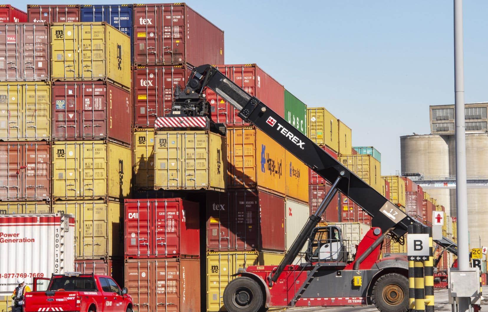 Le président de l'AEM préfère que les 1125 débardeurs grévistes se chargent des cargaisons au port, «au lieu des cadres ou des travailleurs de remplacement».