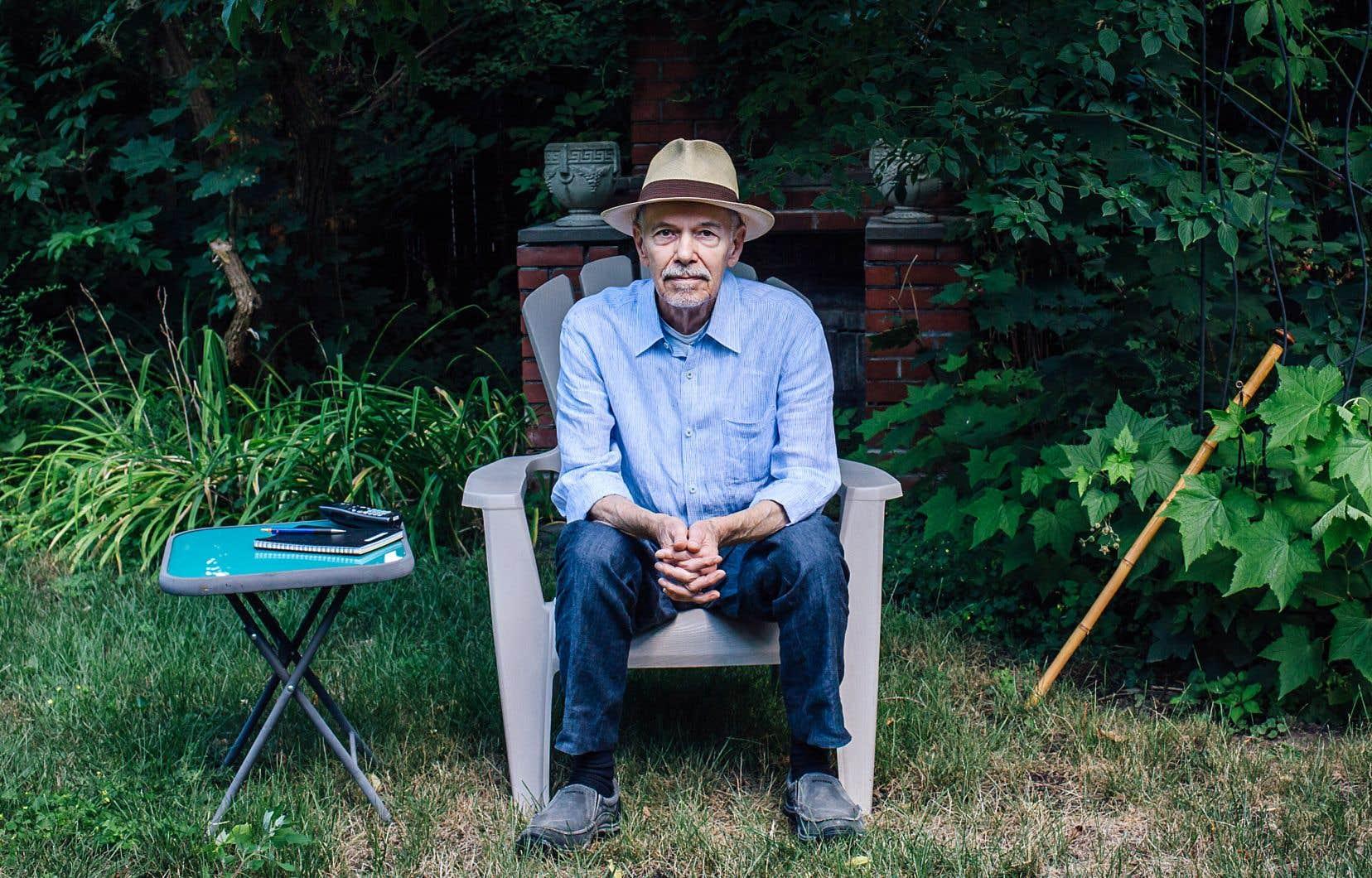 Le carnet «Les pieds sur terre» du poète et romancier André Major est un mélange de réflexions, d'activités terre à terre, d'indignations ou de réminiscences.