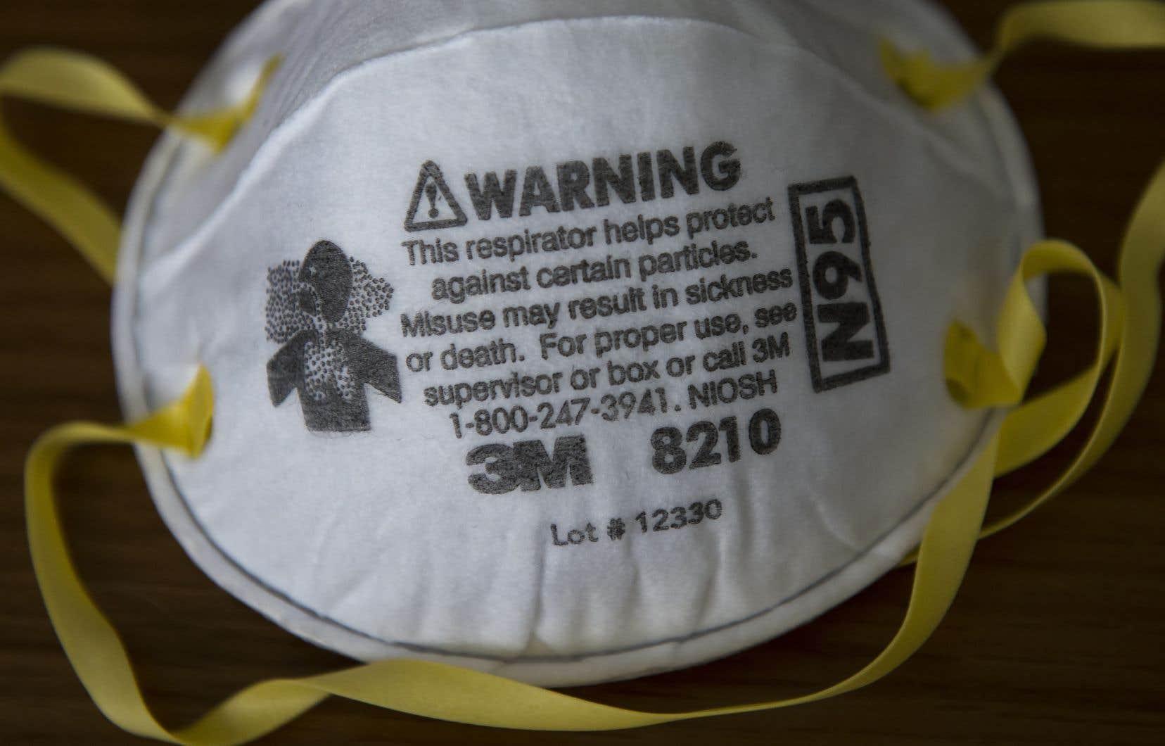 Les masques N95 ont manqué aux travailleurs de la santé du Canada.