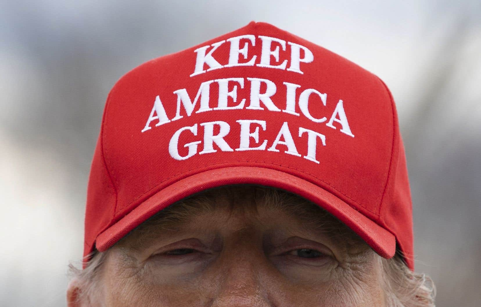 En 2017, quelques heures à peine après son assermentation à titre de 45eprésident des États-Unis, il a officiellement déposé sa candidature pour un deuxième mandat en 2020, promettant «huit années» de «grandes choses».