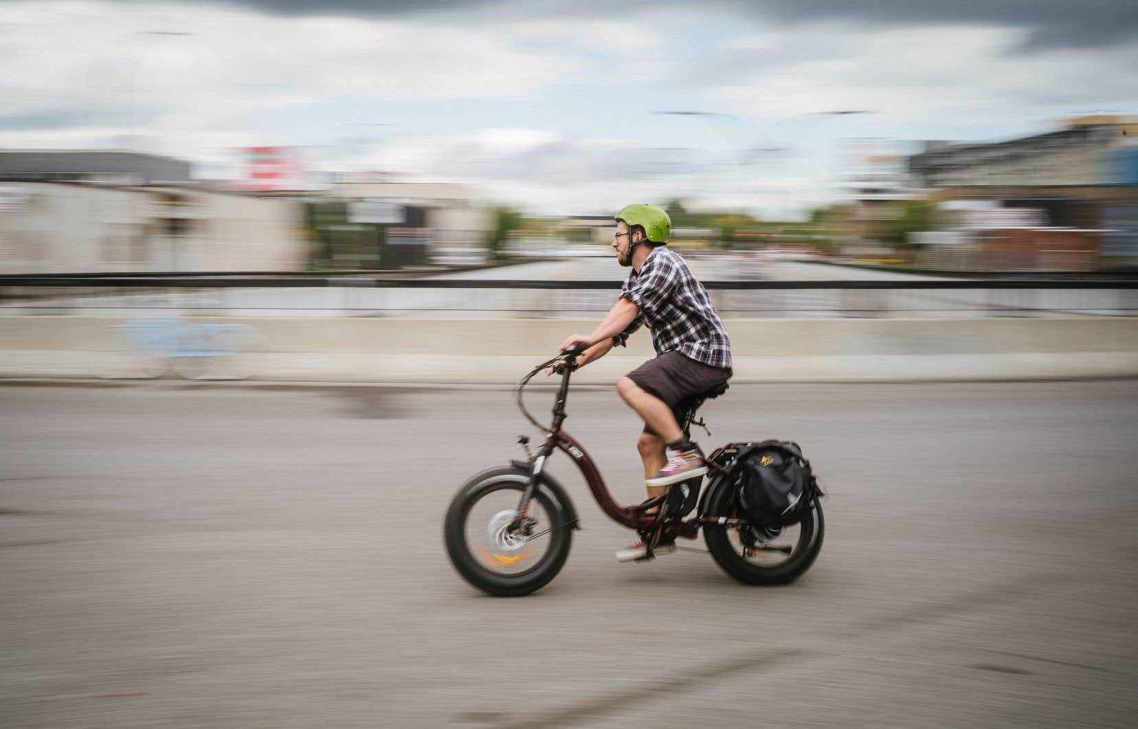 Jeremie Tessier a dû multiplier les démarches sur Internet pendant des semaines pour finalement dénicher le modèle de vélo électrique qu'il convoitait.