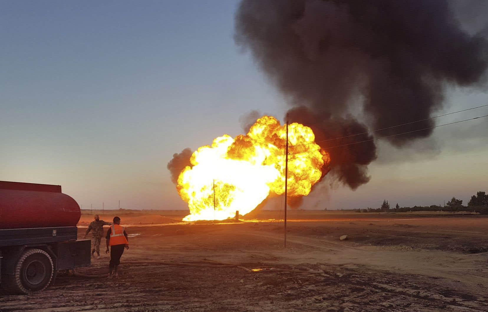 L'agence de presse syrienne a publié des images d'un incendie qui, selon elle, a été causé par l'explosion du gazoduc.