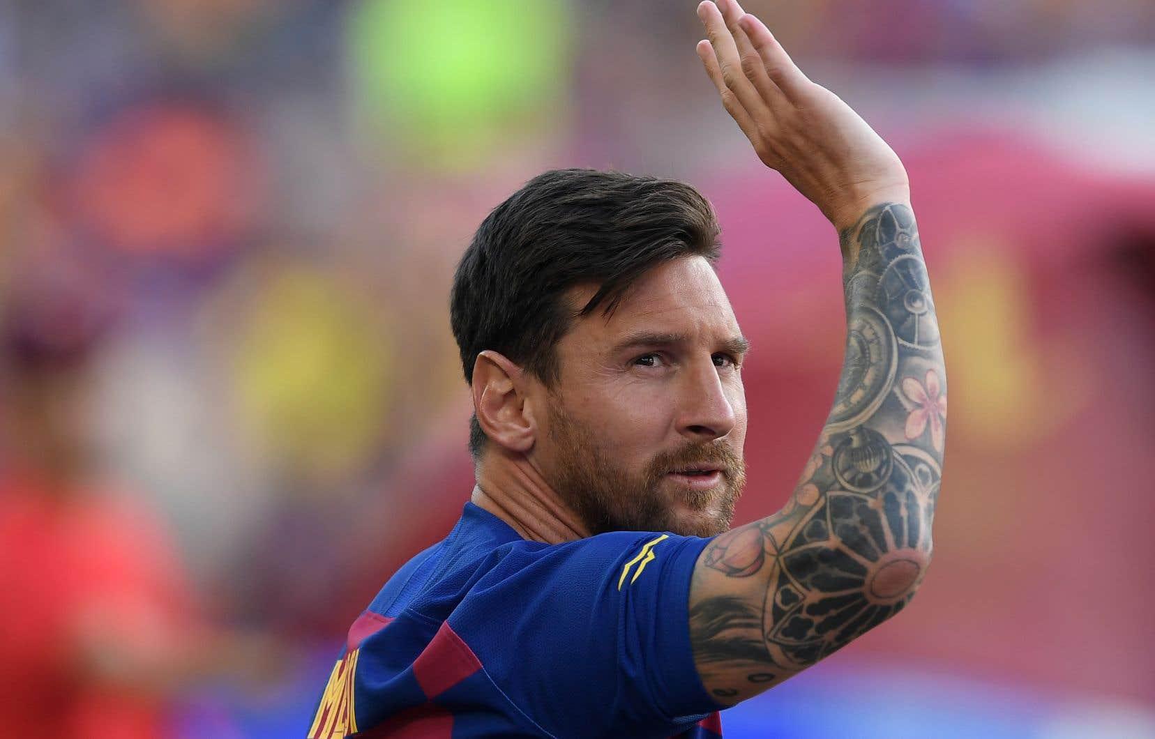Les avocats de Lionel Messi ont fait parvenir au FC Barcelone un courrier recommandé dans lequel ils annoncent la volonté du joueur de résilier son contrat unilatéralement.
