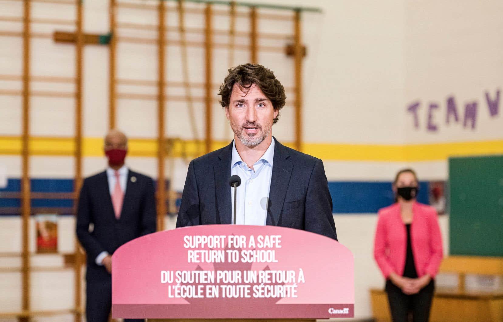 Les 2 milliards versés par Ottawa aux provinces devront servir à «adapter les milieux d'apprentissage», par exemple en facilitant l'enseignement à distance.