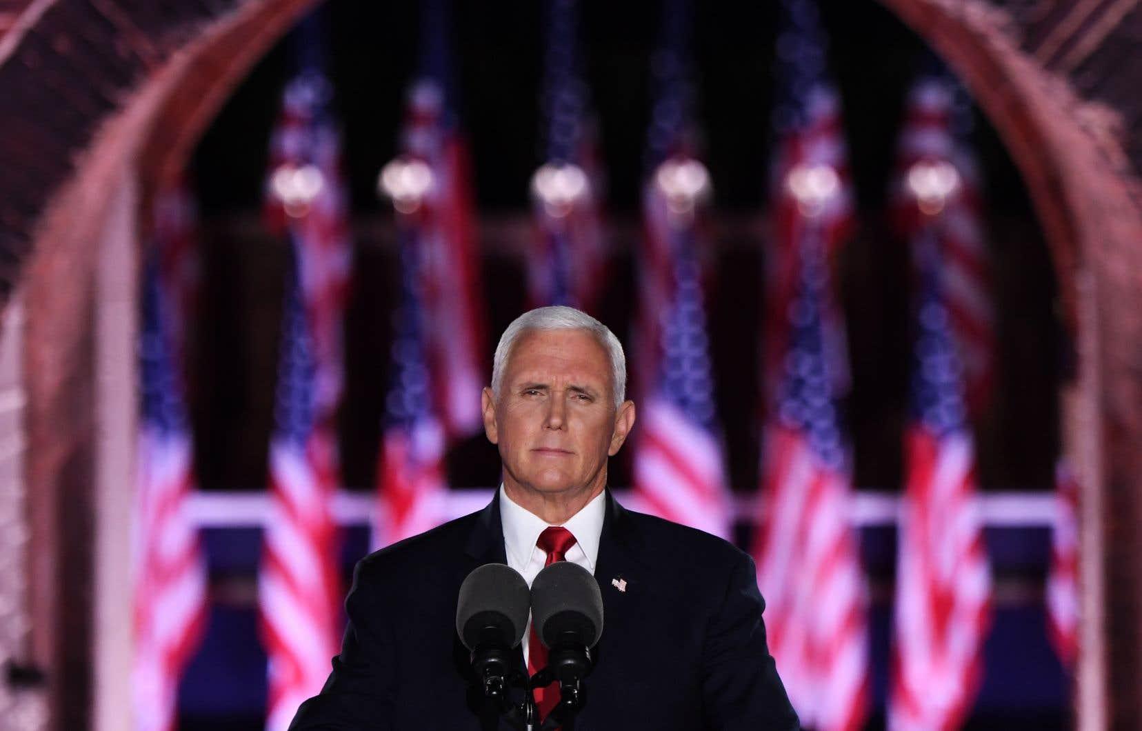 «Nous traversons une époque éprouvante», a admis le vice-président Mike Pence, seule grosse figure de cette avant-dernière soirée de convention.