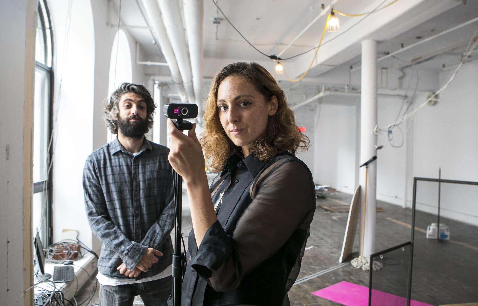 Les artistes Adam Basanta et Cristina Planas dans le nouveau lieu Espace brutale.