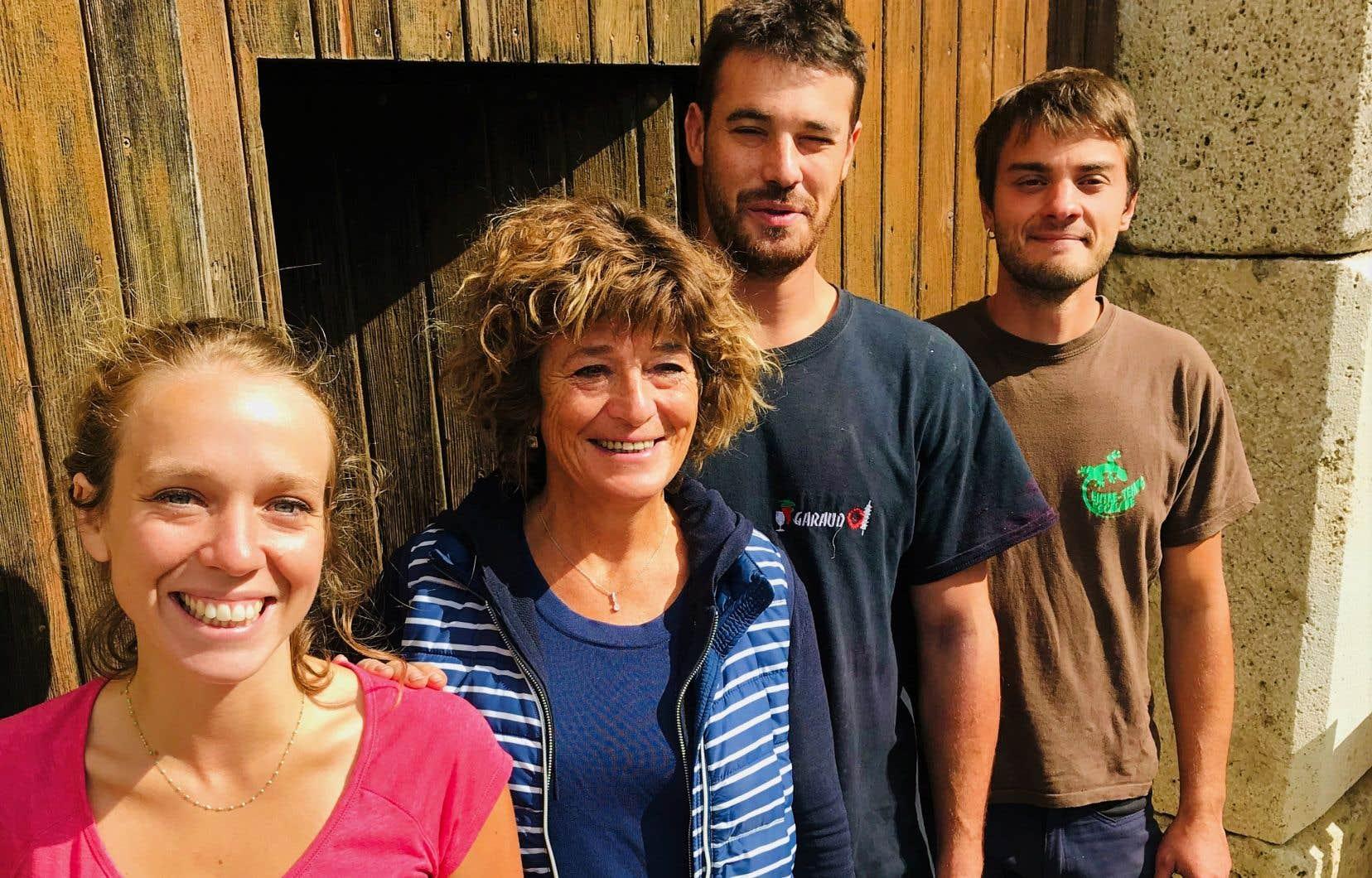 Sarah, Françoise, Mathias et David au Domaine Coupe-Roses en Minervois