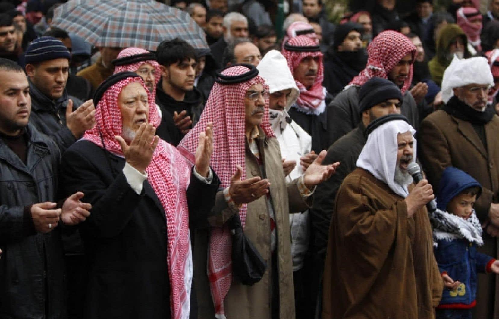 Plusieurs opposants aux régimes en place sont sortis sur la place publique en Jordanie