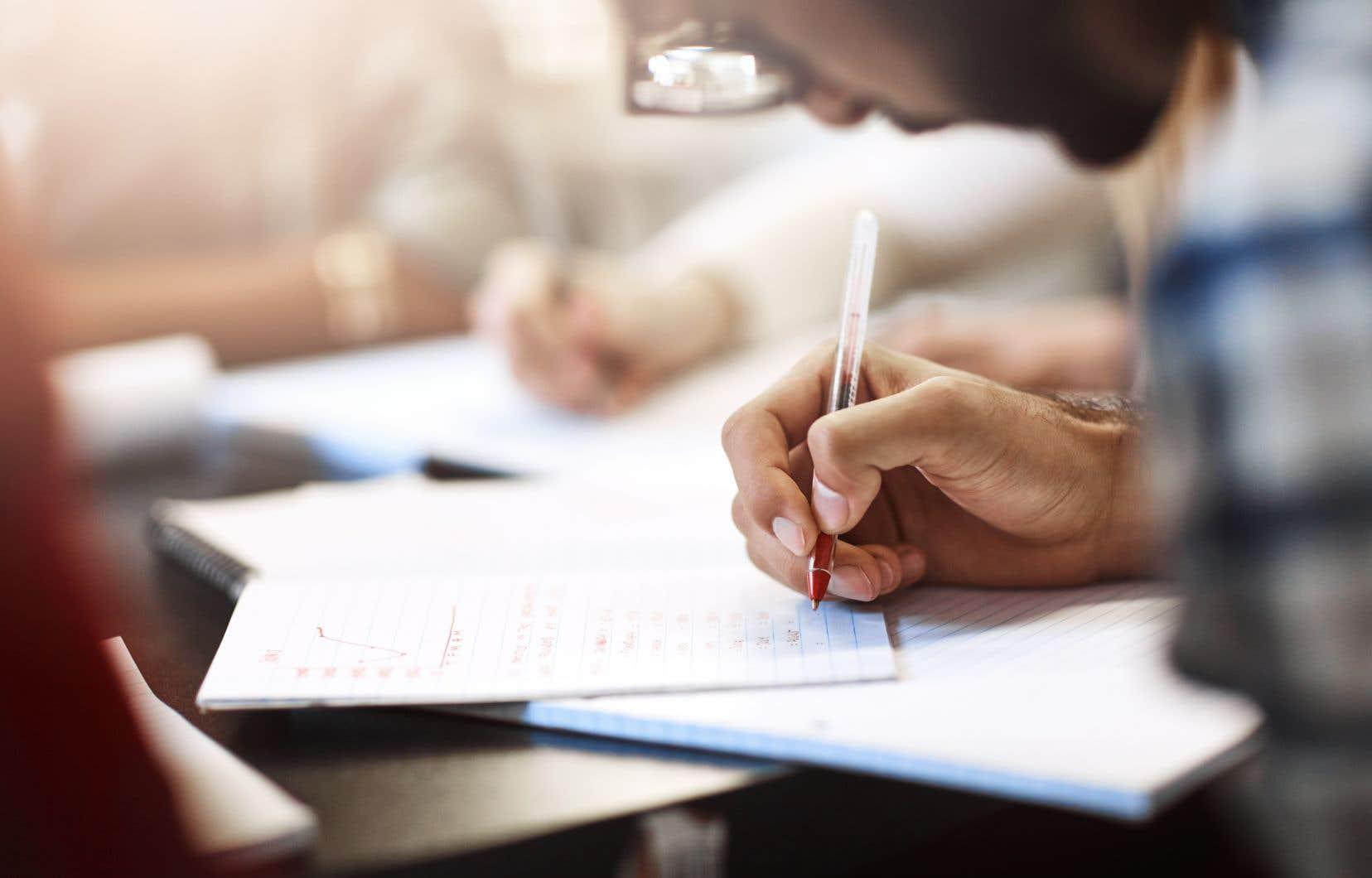 Les Ontariens sont également plus nombreux (9,3%) à avoir été incapables de terminer des cours contre 7,4% pour les Québécois.