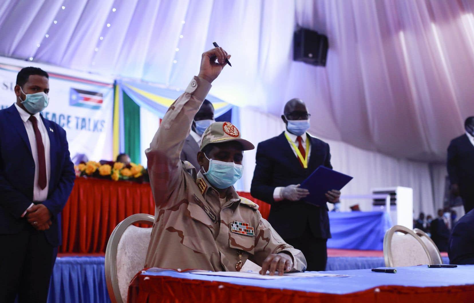 Après des mois de négociations, cet accord a été paraphé lundi lors d'une cérémonie à Juba, au Soudan du Sud.