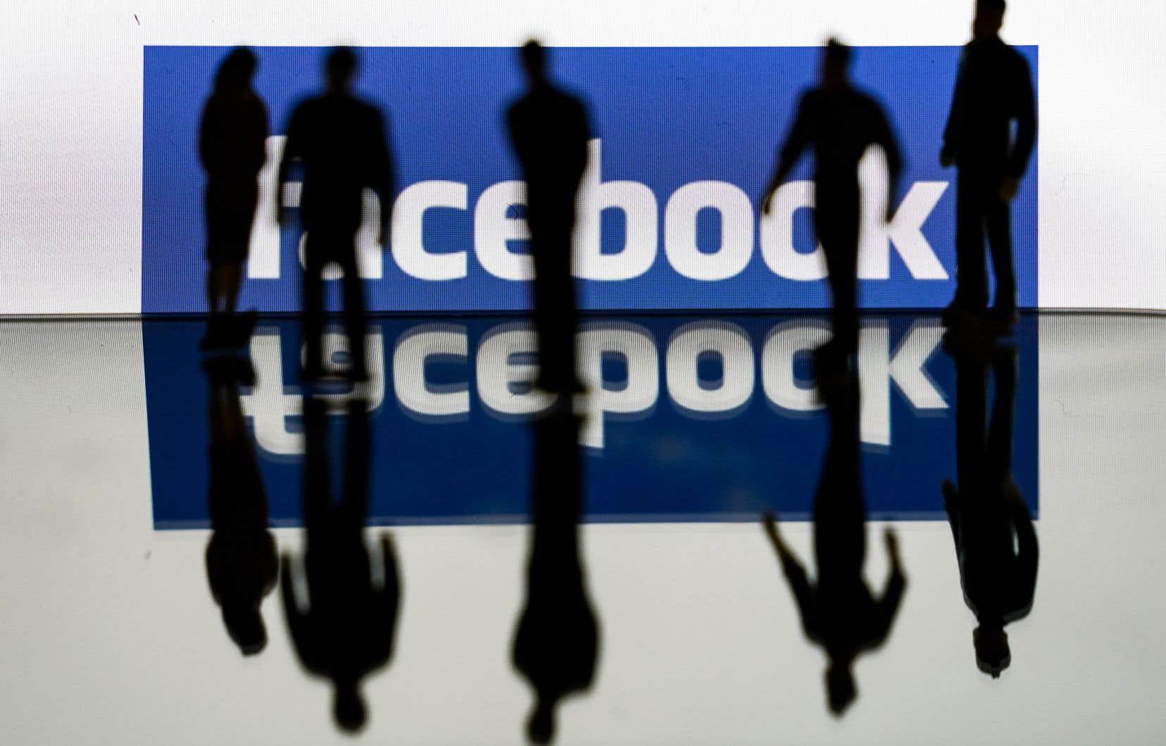 Facebook a informé les utilisateurs australiens qu'à compter du 1eroctobre, elle se permettra de supprimer ou de retirer l'accès à des contenus «si cela s'avérait nécessaire pour éviter ou atténuer les conséquences juridiques ou réglementaires».