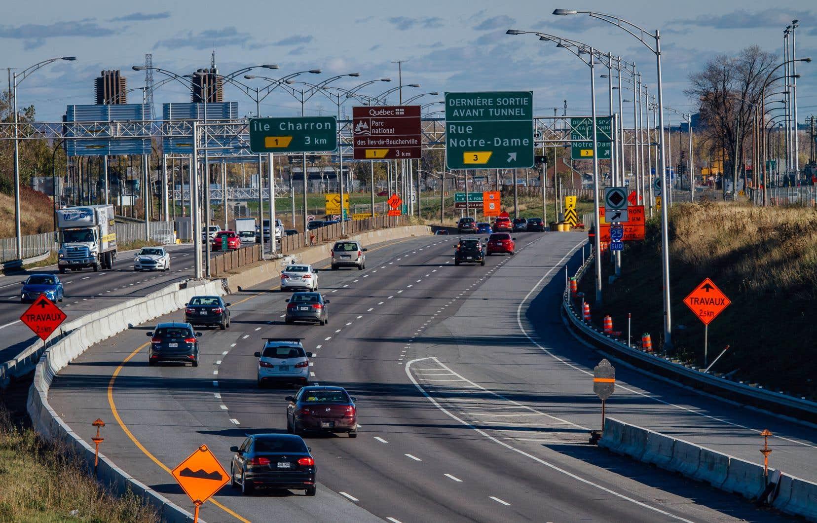 Les autoroutes 25 (sur la photo), 13, 20 440 et 660 de même que la route 116 pourraient être dotées d'une voie réservée pour le covoiturage et les autobus dans les couronnes de Montréal.