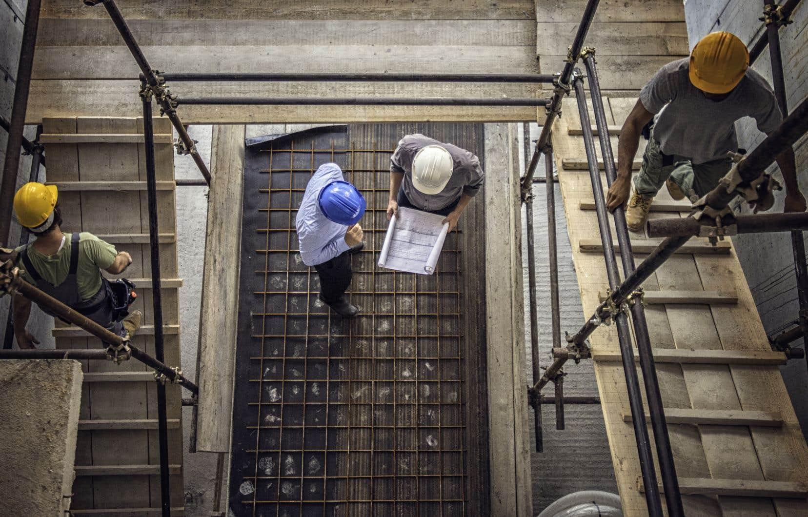 La première mouture du projet de loi 61, présentée en juin, misait sur plus de 200 projets d'infrastructures pour relancer l'économie.