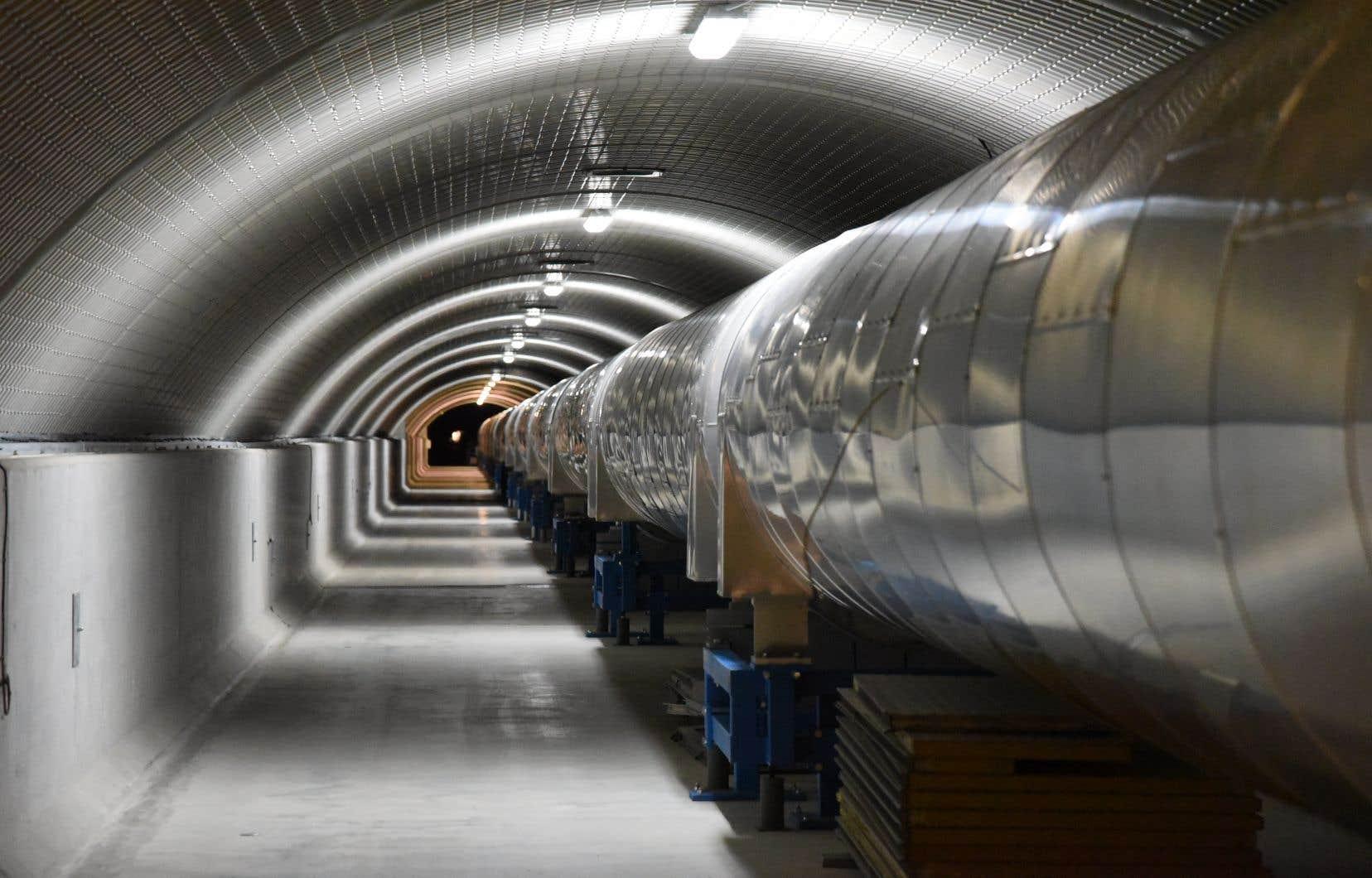 Lesinterféromètres VIRGO (notre photo) ainsi que LIGO ontdétecté les ondes gravitationnelles ayant été engendrées lors de la formation d'un trou noir qui est survenue il y a septmilliards d'années.