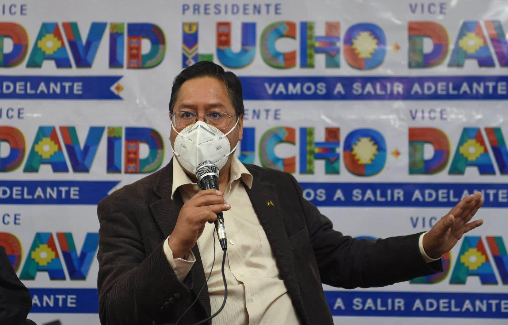Le candidat Luis Arce, du Mouvement vers le socialisme, mène actuellement dans les sondages.