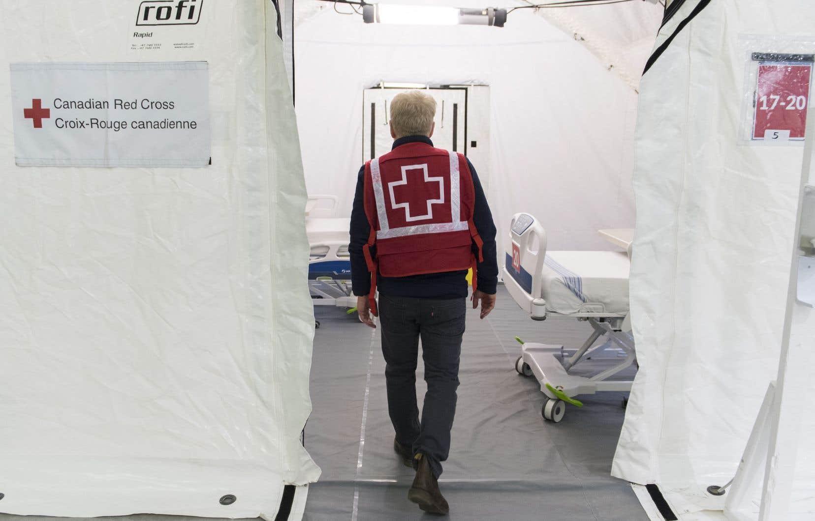 La Croix-Rouge se dit prête à bonifier de nouveau son aide si les cas de COVID-19 continuent d'augmenter et que les centres de soins de longue durée se retrouvent aux prises avec une nouvelle crise.
