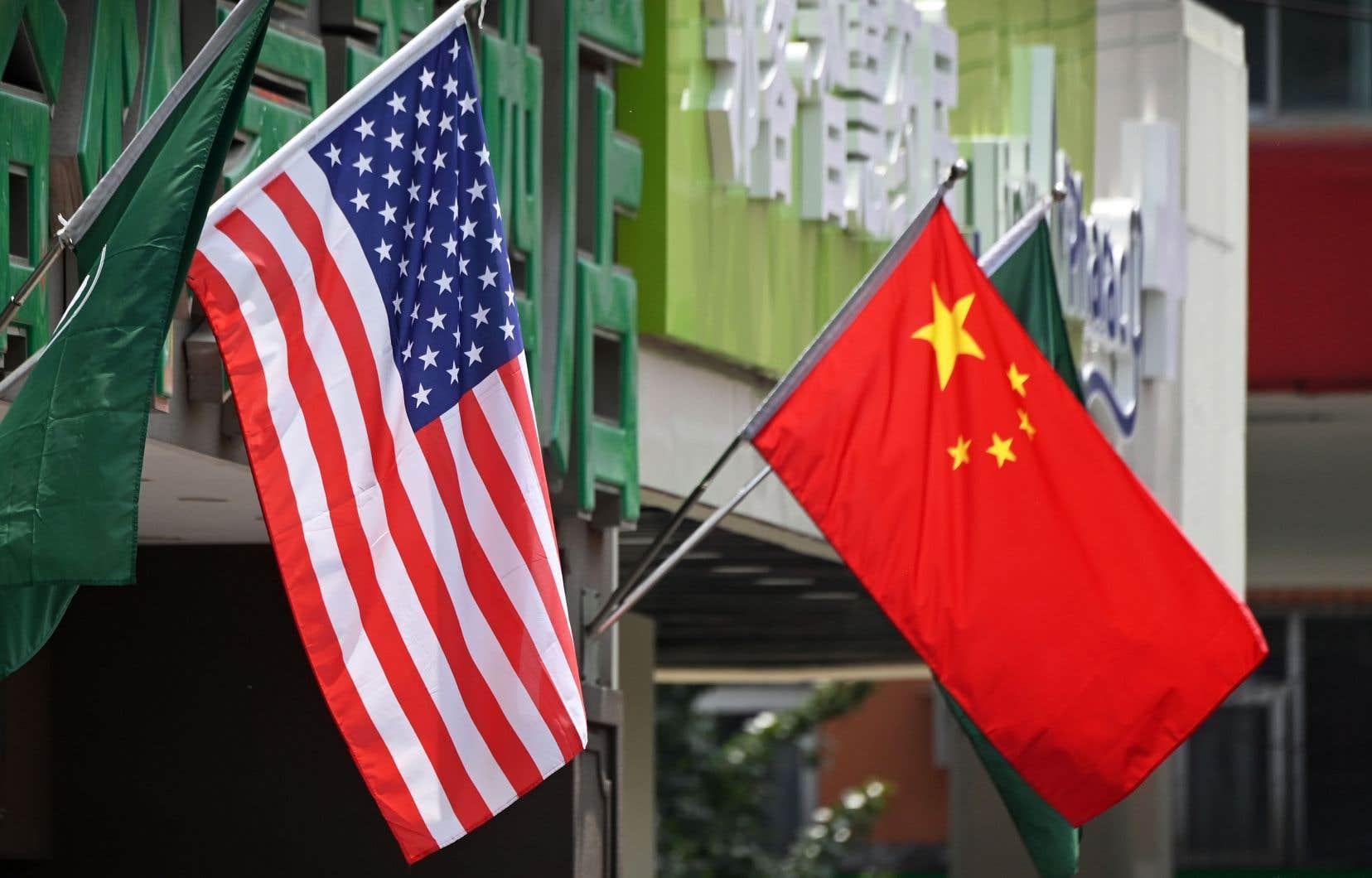 Réagissant au verdict de l'Organe de règlement des différends de l'OMC, le gouvernement Trump a jugé l'organisation «totalement inadéquate» pour mettre fin aux pratiques commerciales de la Chine jugées déloyales et qui avaient amené Washington à imposer des tarifs douaniers punitifs contre Pékin.