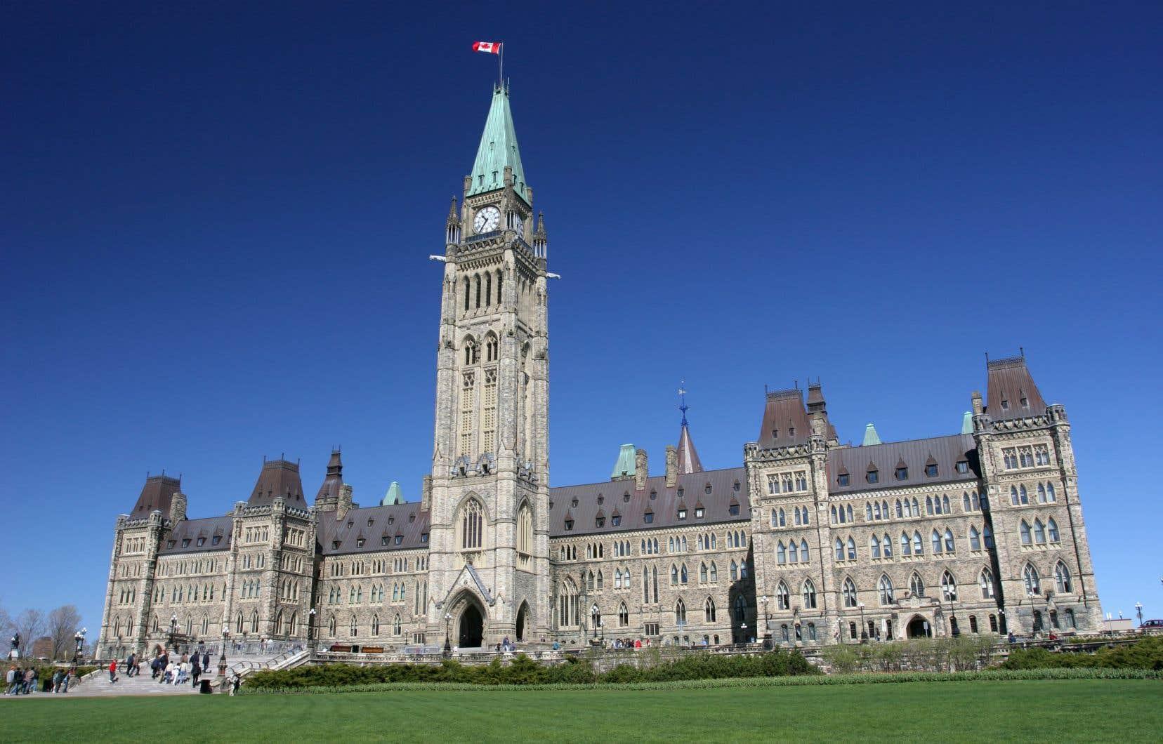 Le Parlement doit reprendre ses activités régulières mercredi prochain et les partis représentés à la Chambre des communes négocient encore la forme de ce retour.