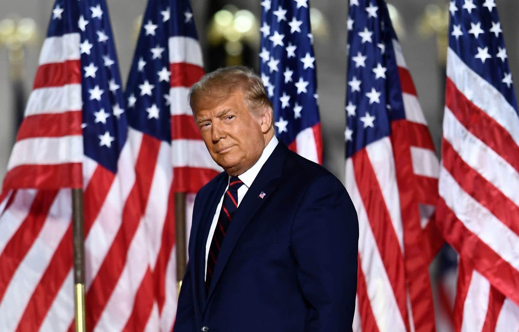 Les drapeaux suscitent passions et tensions et rassemblent les foules partout sur la planète. Sur la photo, Donald Trump lors de la convention nationale du Parti républicain, le 27août.