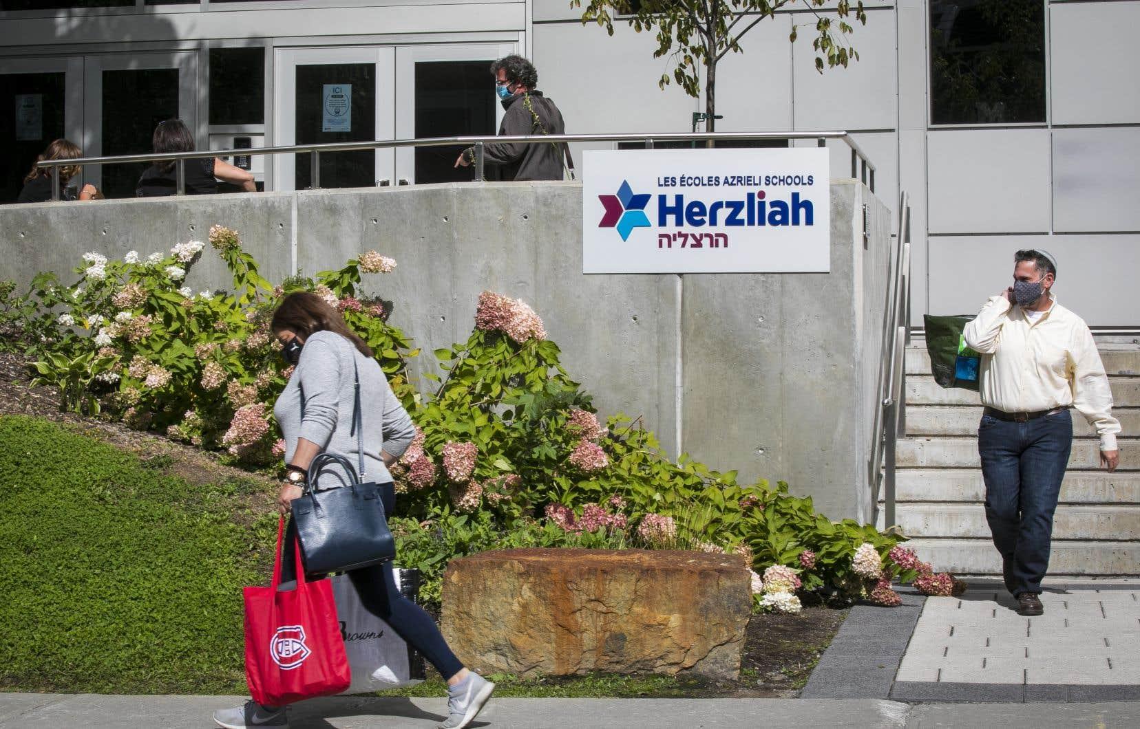 L'école secondaire privéeHerzliah, située dans Côte-des-Neiges–Notre-Dame-de-Grâce, poursuivra l'enseignement à distance.