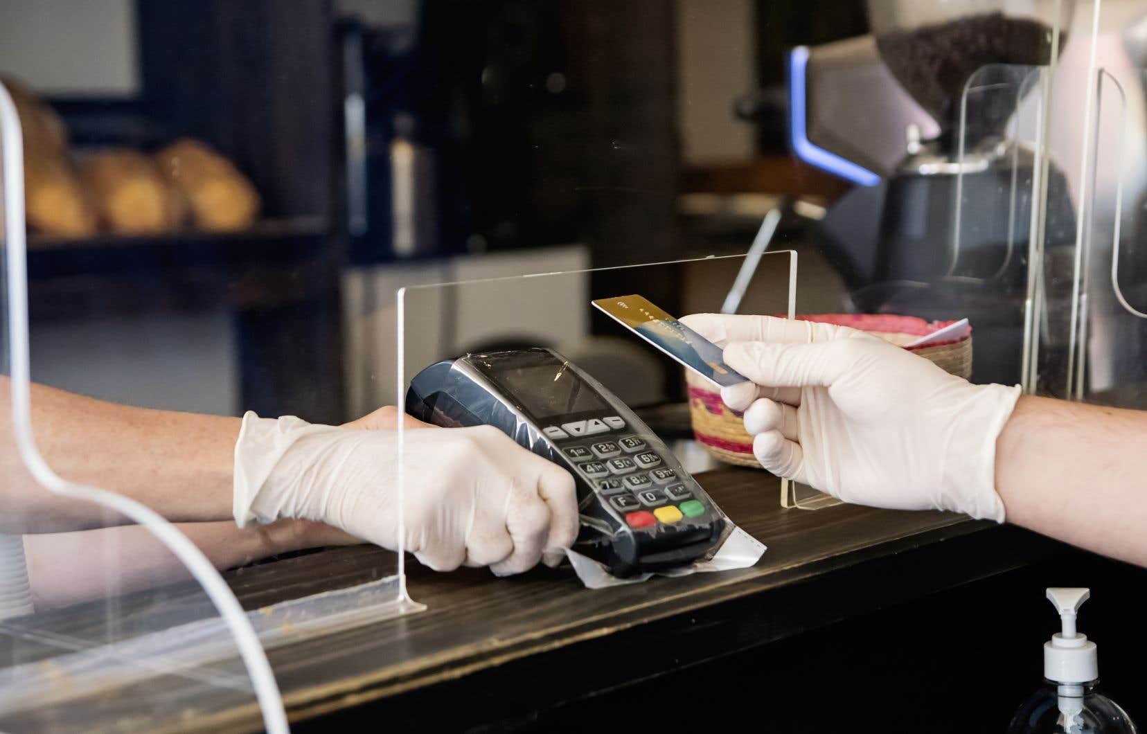 Près d'un client sur quatre des principales sociétés de cartes de crédit n'a pas été en mesure d'effectuer des paiements mensuels ce printemps.