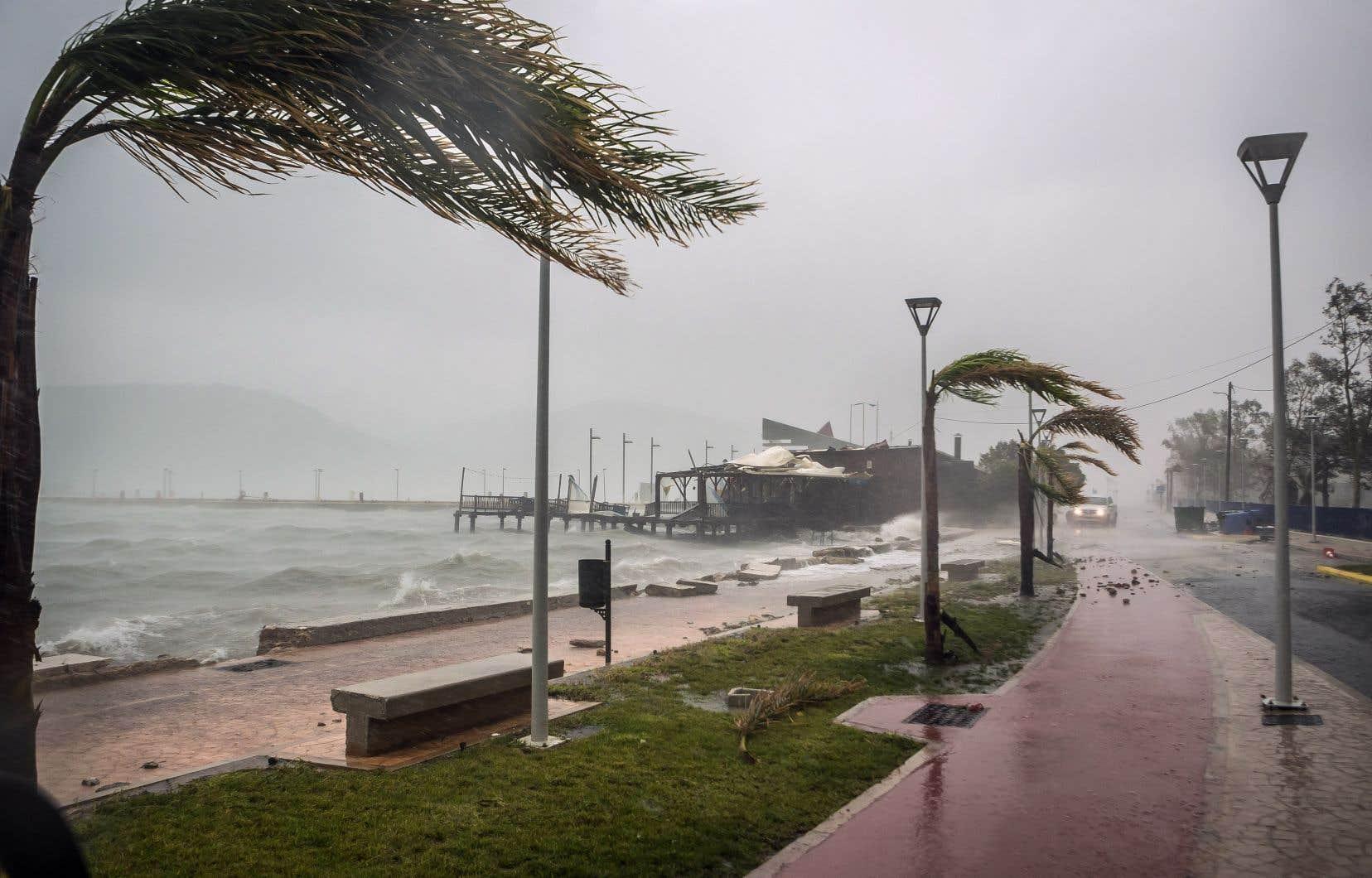 Le pays a été touché par un «cyclone méditerranéen», un phénomène rare pour la région.