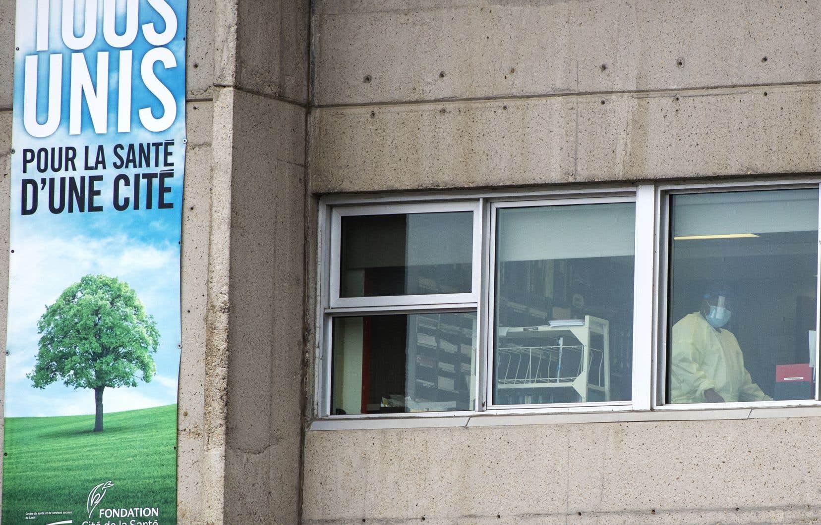 Sainte-Dorothée est l'établissement où il y a eu le plus de pertes humaines au Québec pendant la COVID-19 avec pas moins de 100 décès.