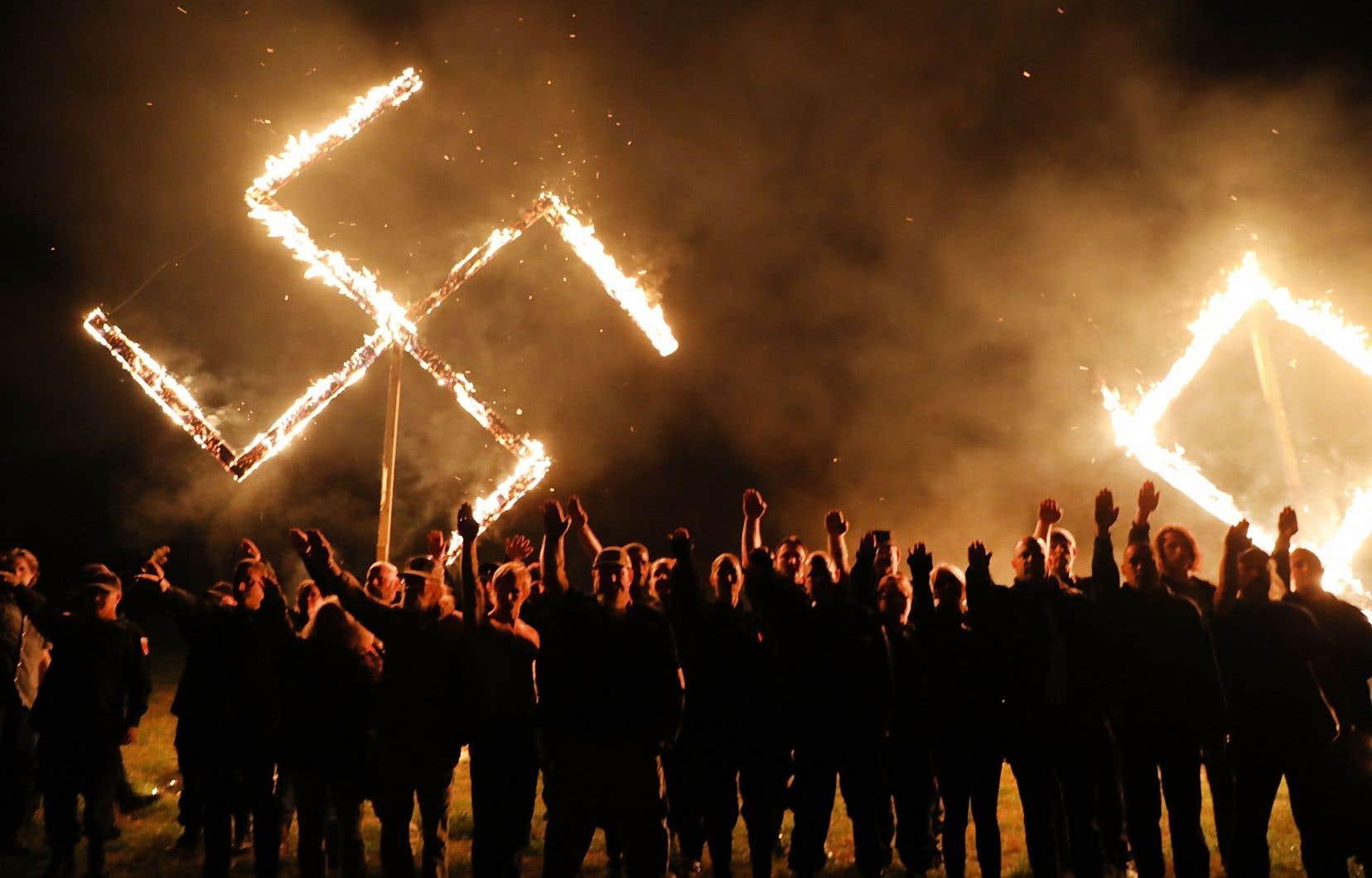 Les groupes néonazis émaillent la mouvance de droite qui pimente vigoureusement l'actualité un peu partout à travers le monde.
