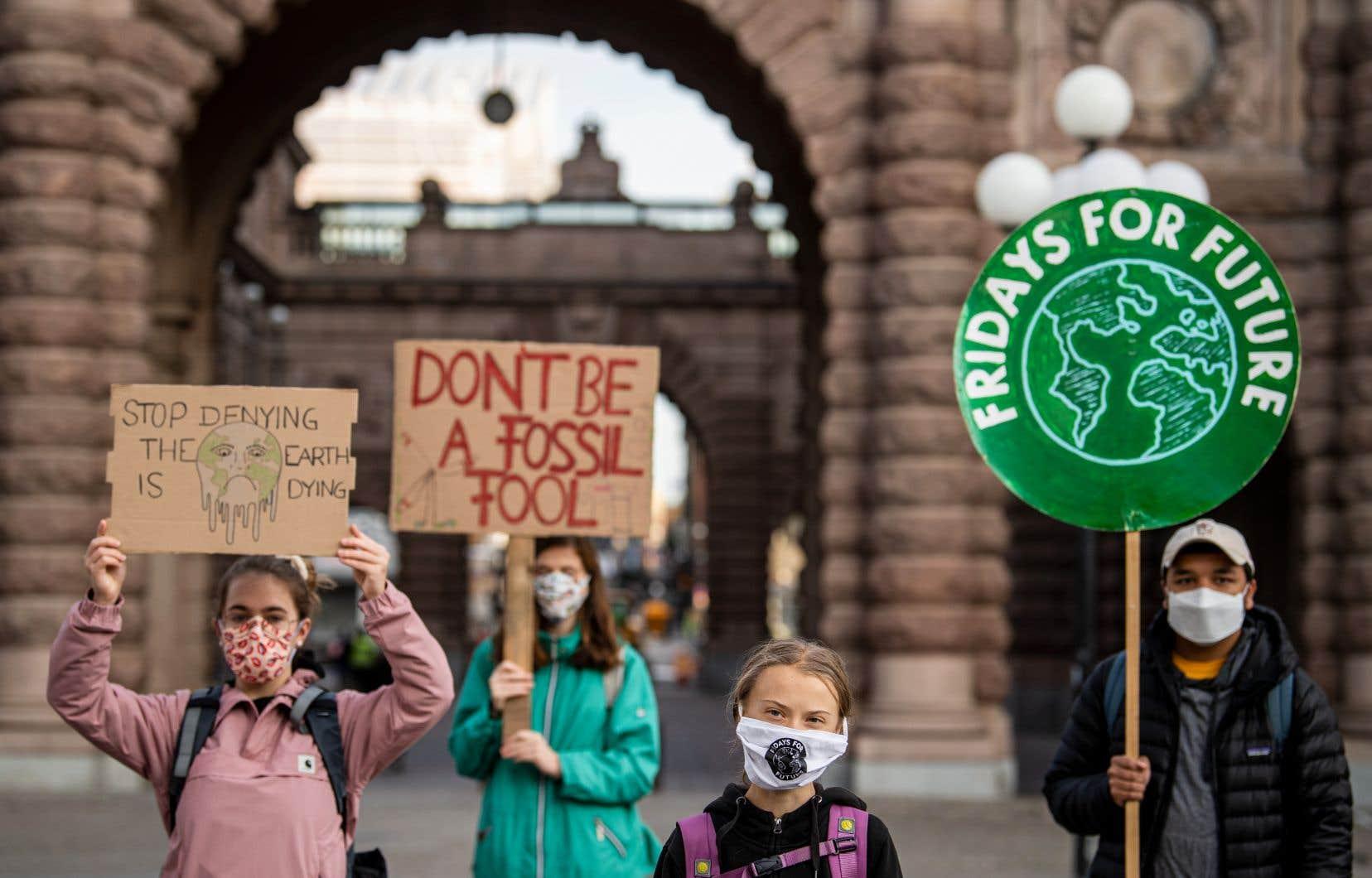 Entourée de militants à Stockholm, Greta Thunberg a appelé à «renforcer la pression sur les personnes au pouvoir».