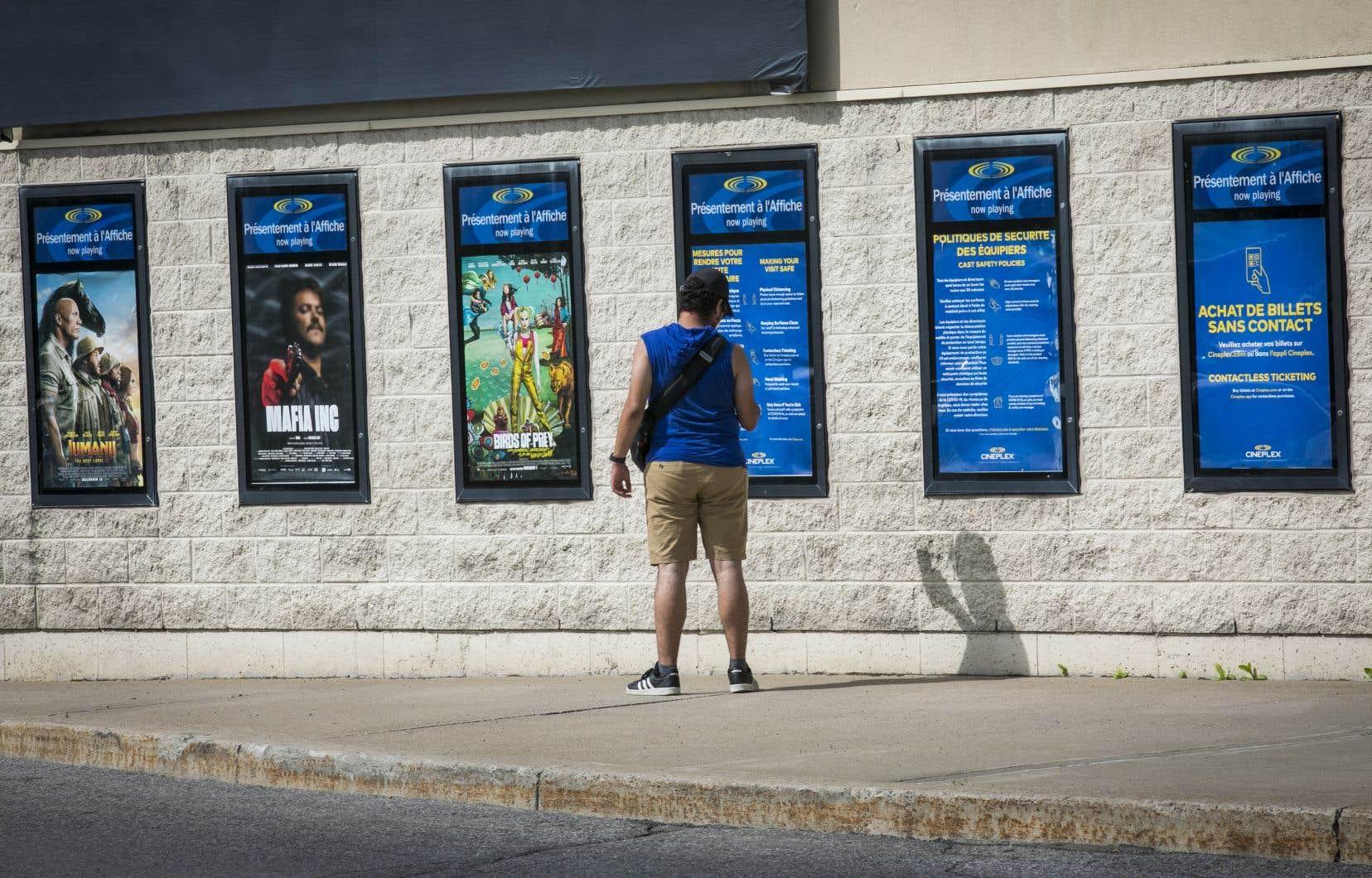 Dans les cinémas, non seulement appliquait-on les recommandations de la Santé publique, mais bien souvent, elles y étaient bonifiées.