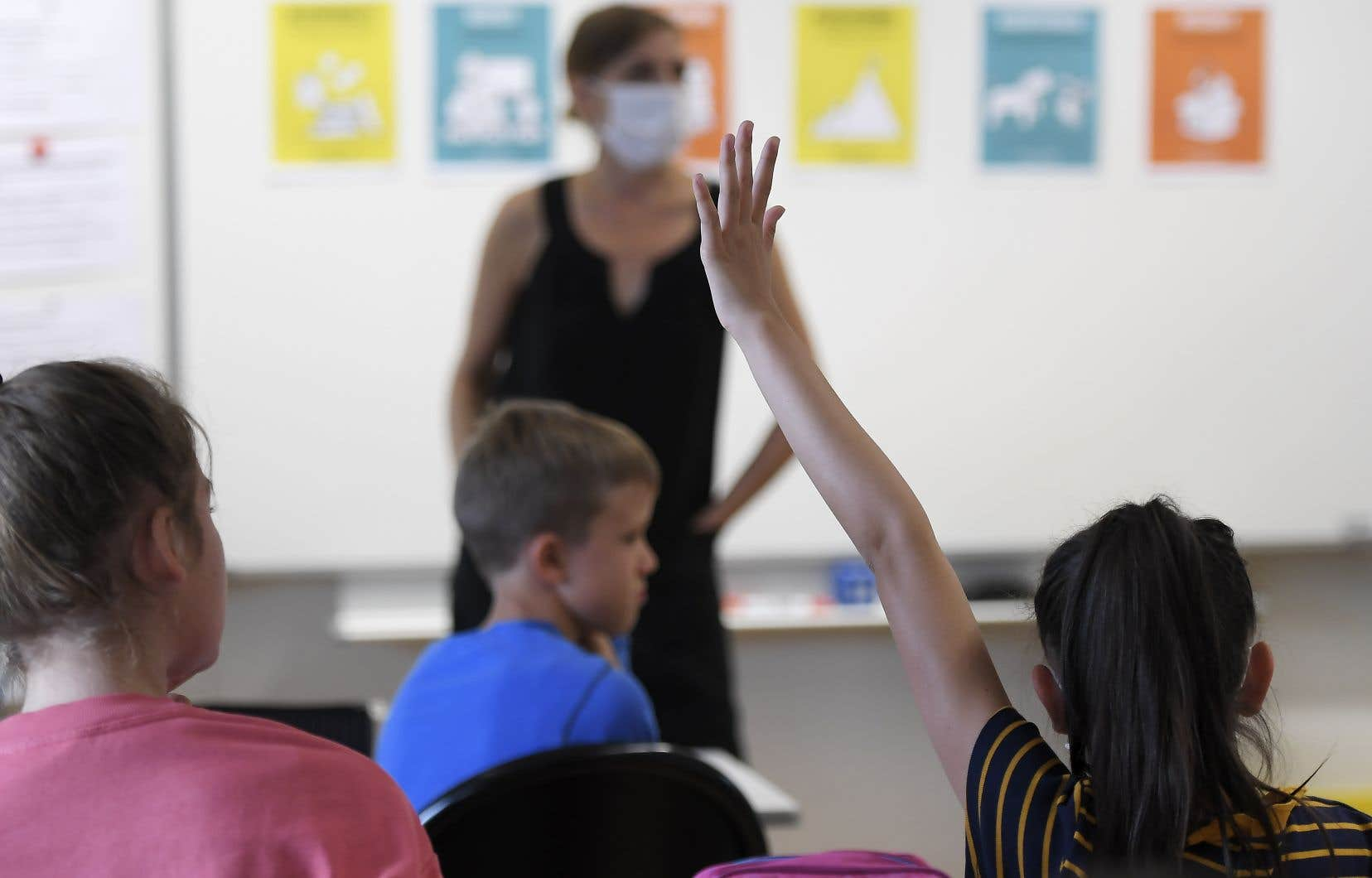 La professeure Catherine Turcotte craint que le rattrapage se fasse au détriment des enseignants, dont la tâche a déjà augmenté, ne serait-ce que pour gérer les mesures qui ont trait à la COVID-19.