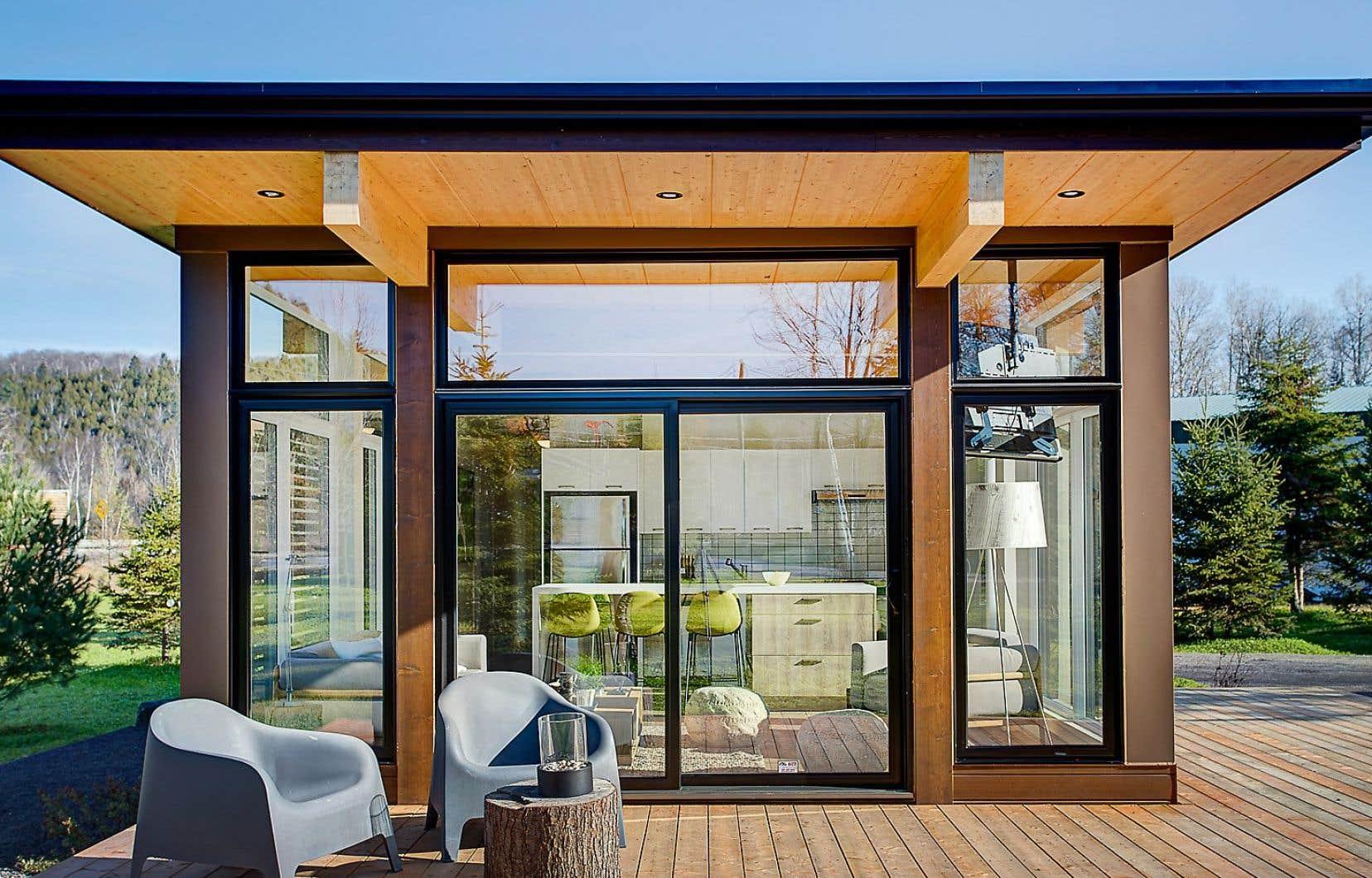 Les microhabitations gagnent en popularité dans un contexte où il est de plus en plus difficile d'acquérir une propriété.