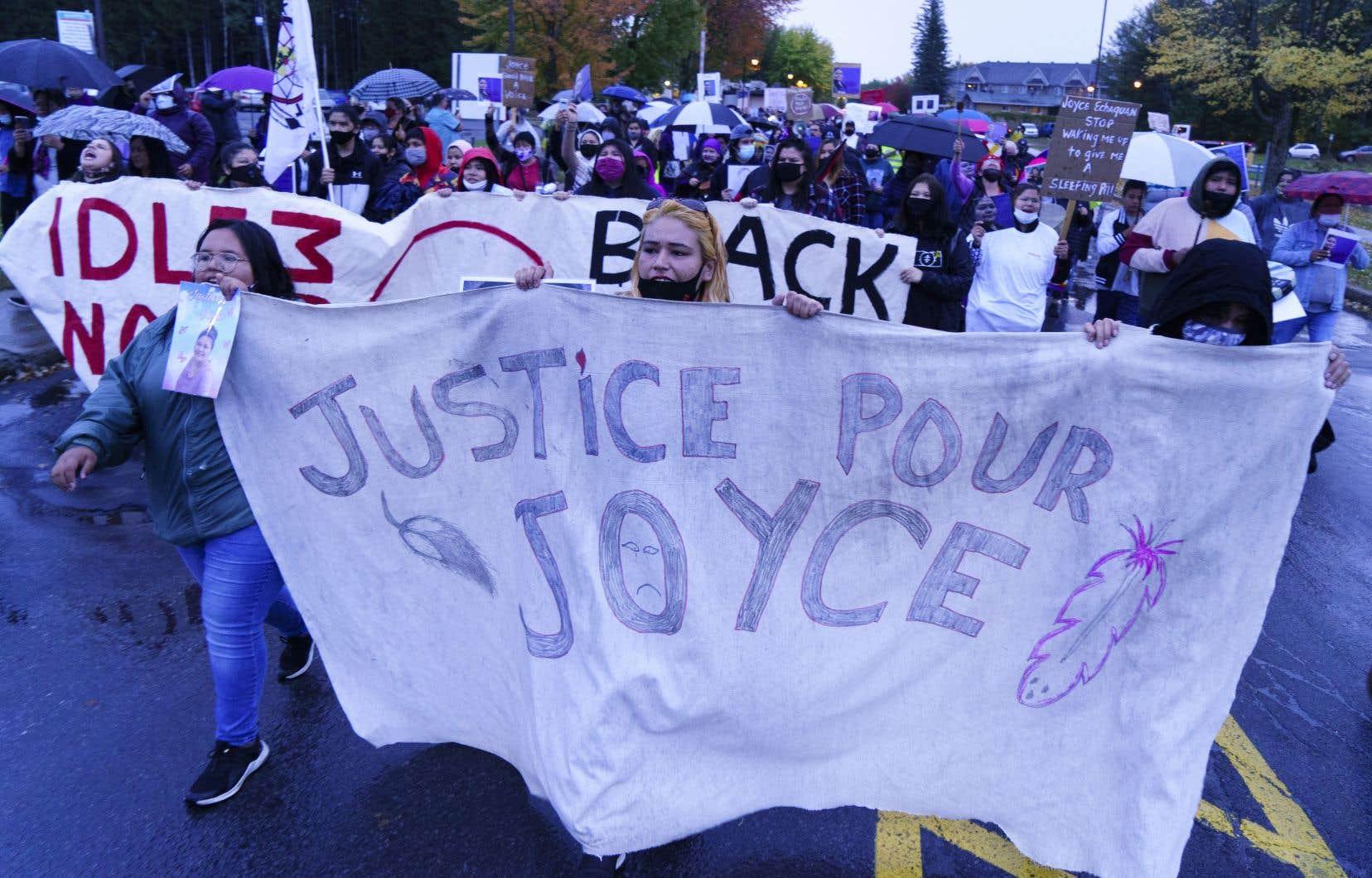 «C'est à chacun d'entre nous de faire pression sur le gouvernement et le réseau de la santé pour qu'aucune personne ne soit traitée comme Joyce Echaquan l'a été et pour que justice lui soit rendue», pense l'autrice.