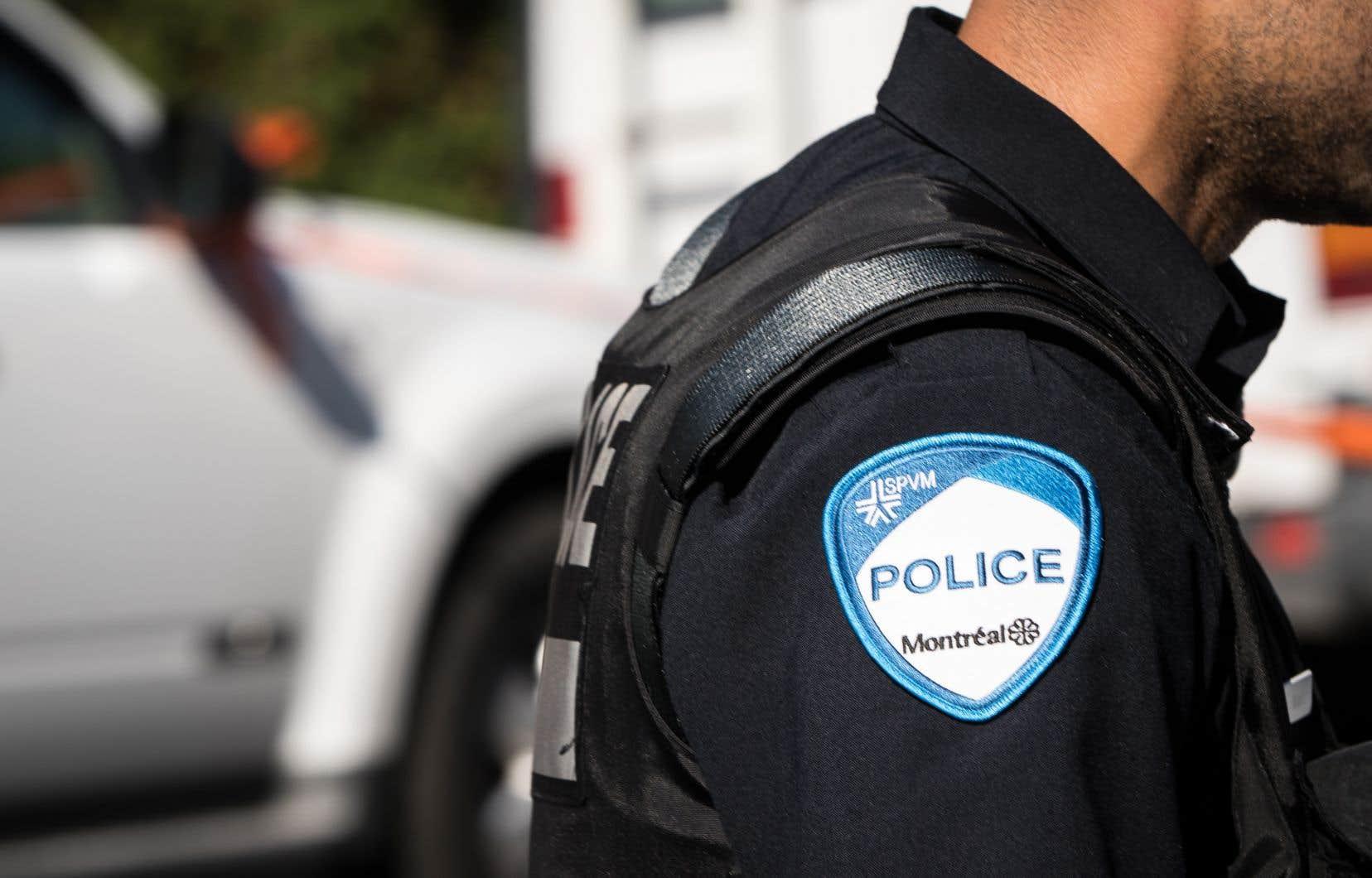 «Au Canada, un individu — qu'il soit témoin, suspect ou prévenu — n'a aucune obligation de répondre aux questions des policiers, si ce n'est que de s'identifier après une détention légitime», écrit l'auteur.