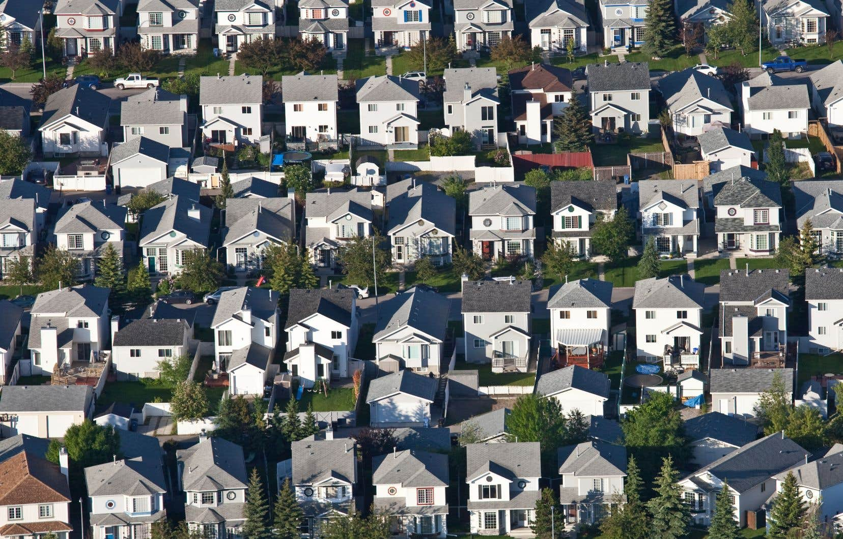 Le pointage de crédit minimal pour obtenir une assurance hypothécaire auprès de la Société canadienne d'hypothèques et de logement est maintenant de 680 points