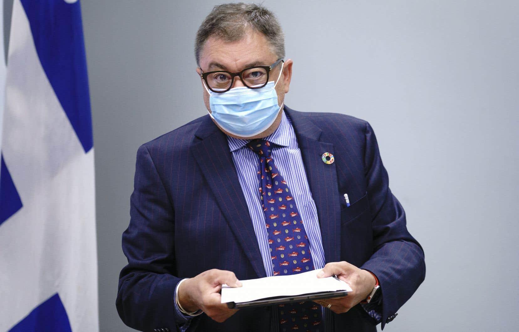 Le directeur de la santé publique du Québec, Horacio Arruda, est conscient des difficultés d'interprétation que pose un décret tel que celui qui vient d'être adopté pour régir notre vie en société en temps de pandémie